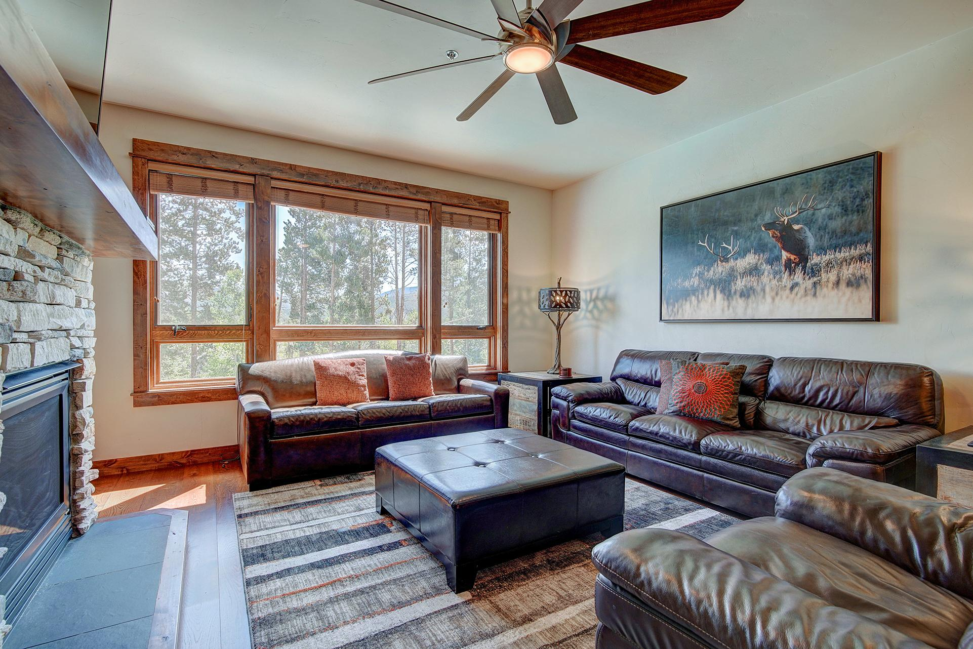 Luxurious BlueSky condo with ski-in/ski-out access