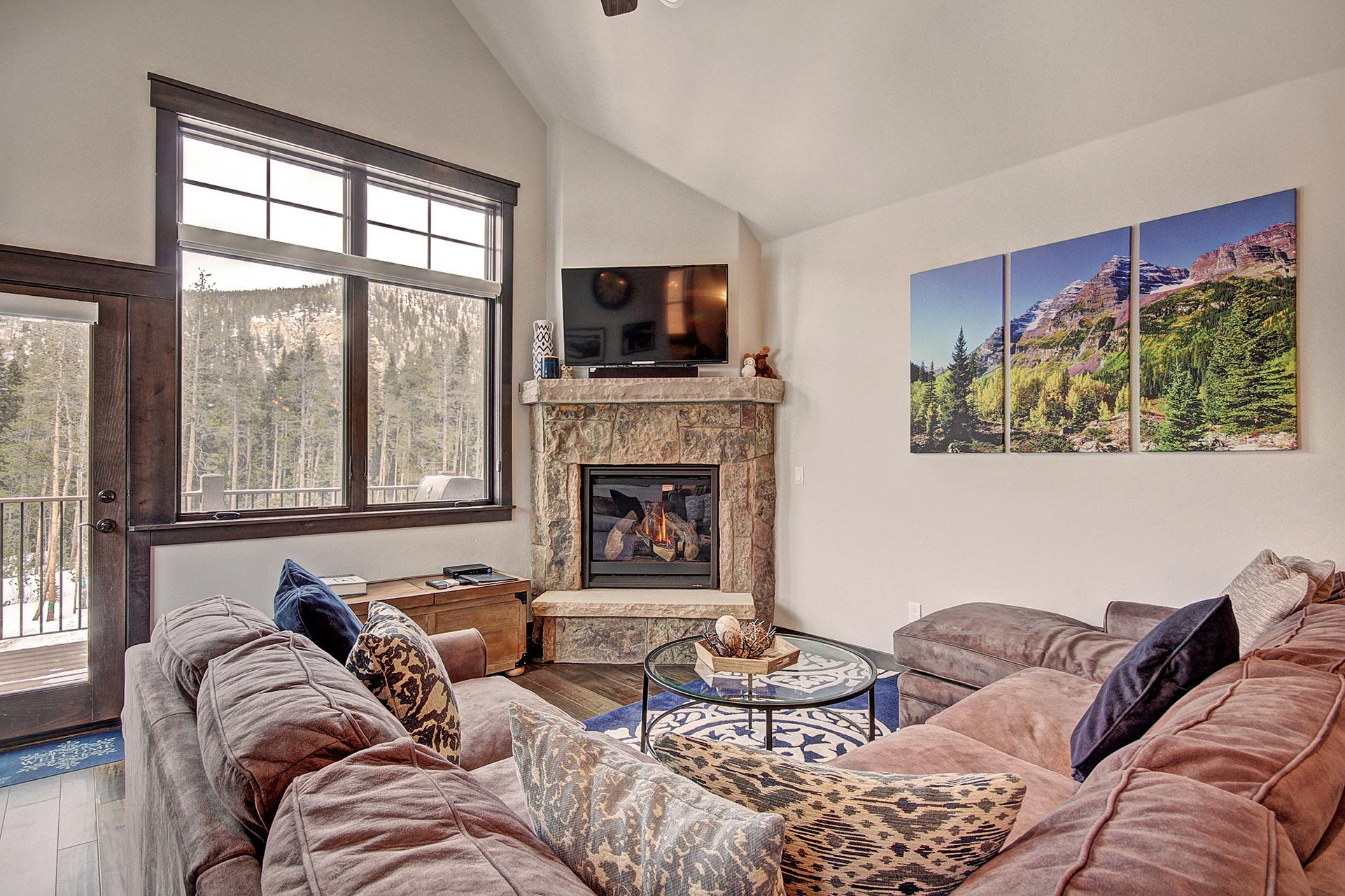 Property Image 1 - Beautiful Mountain Condo with Great Deck