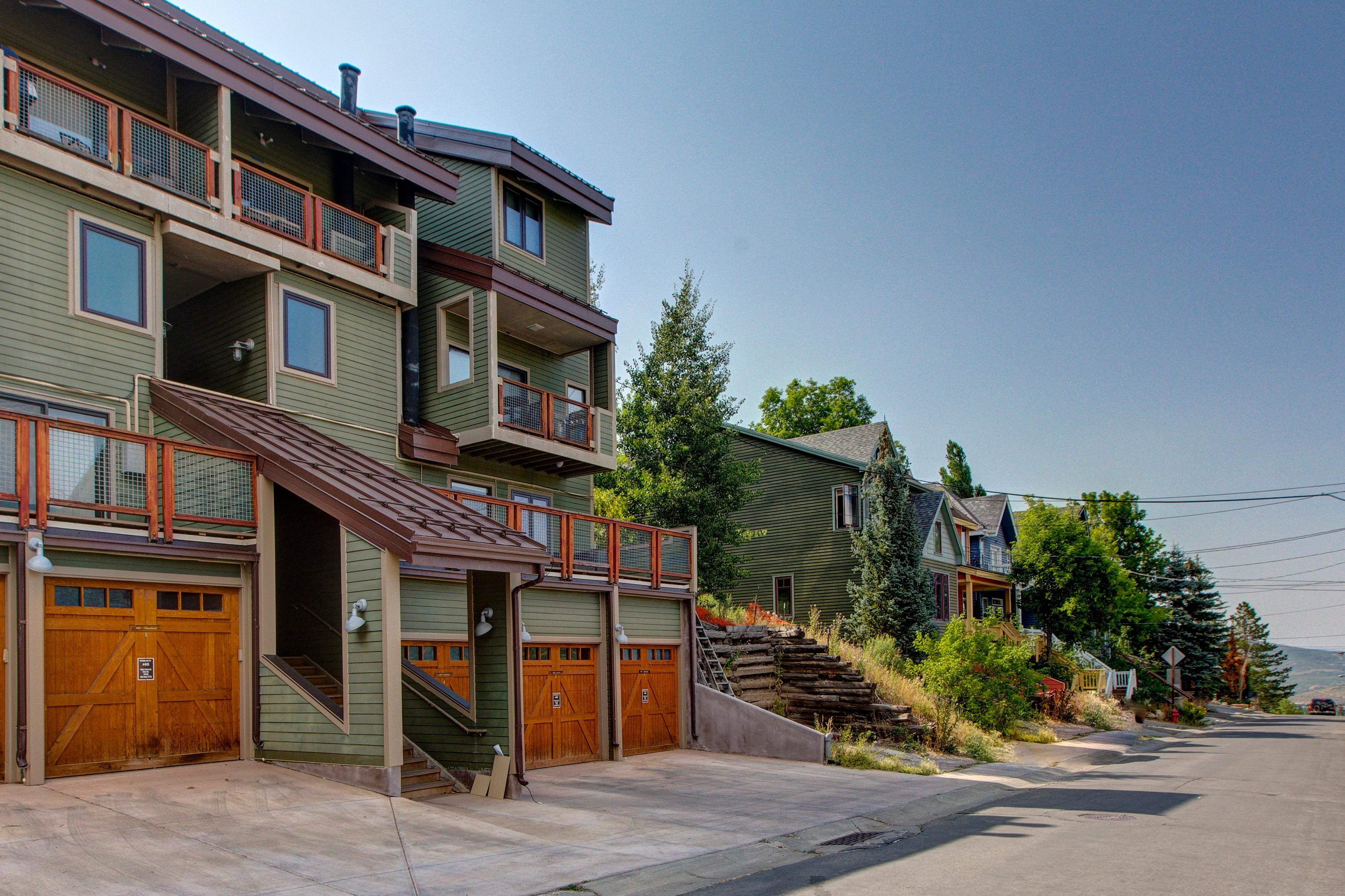 Charming Old Town 3BR Condominium with Ski Access