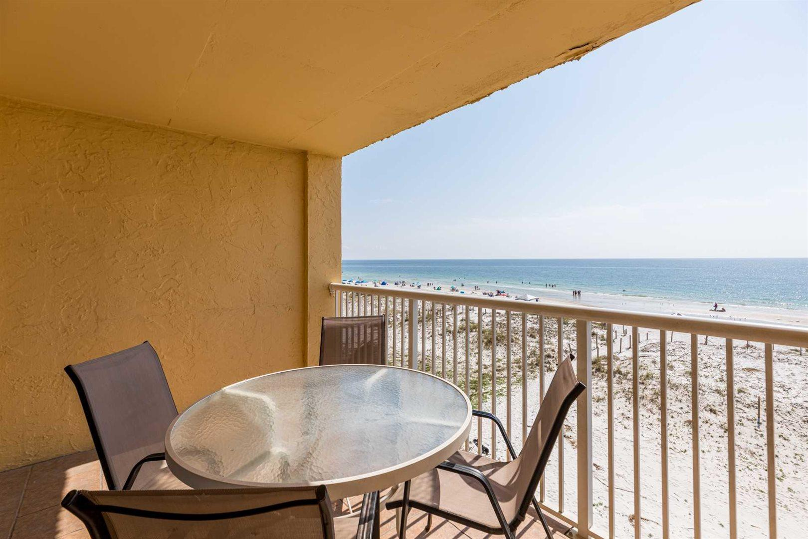 Oceanside Condo with Balcony Steps to Shore