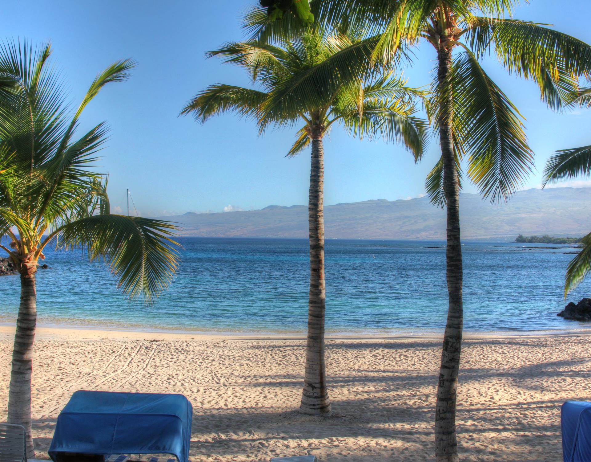 Free access to Mauna Lani Private Beach Club