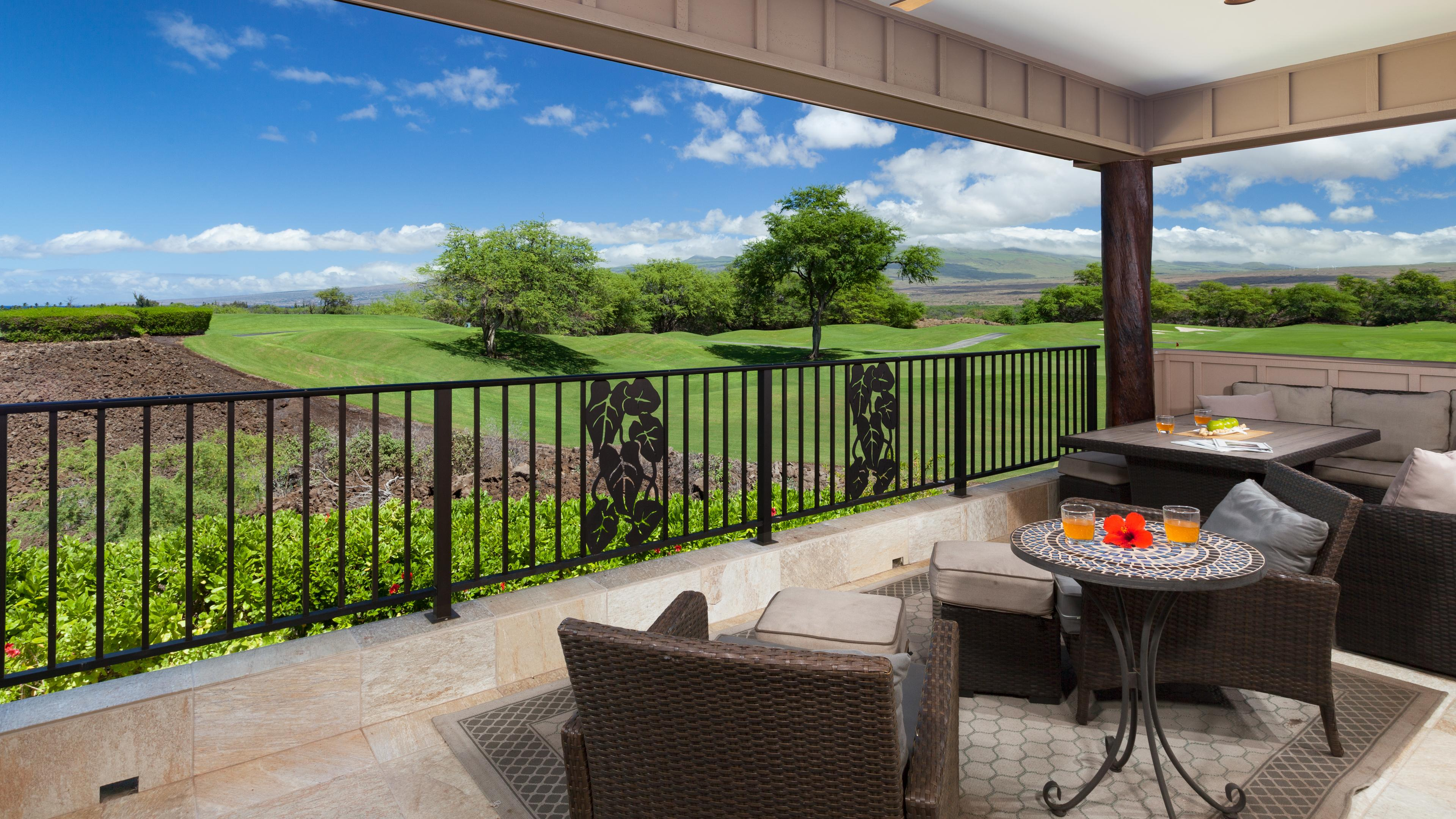 Large outdoor lanai with best view in all KaMilo.