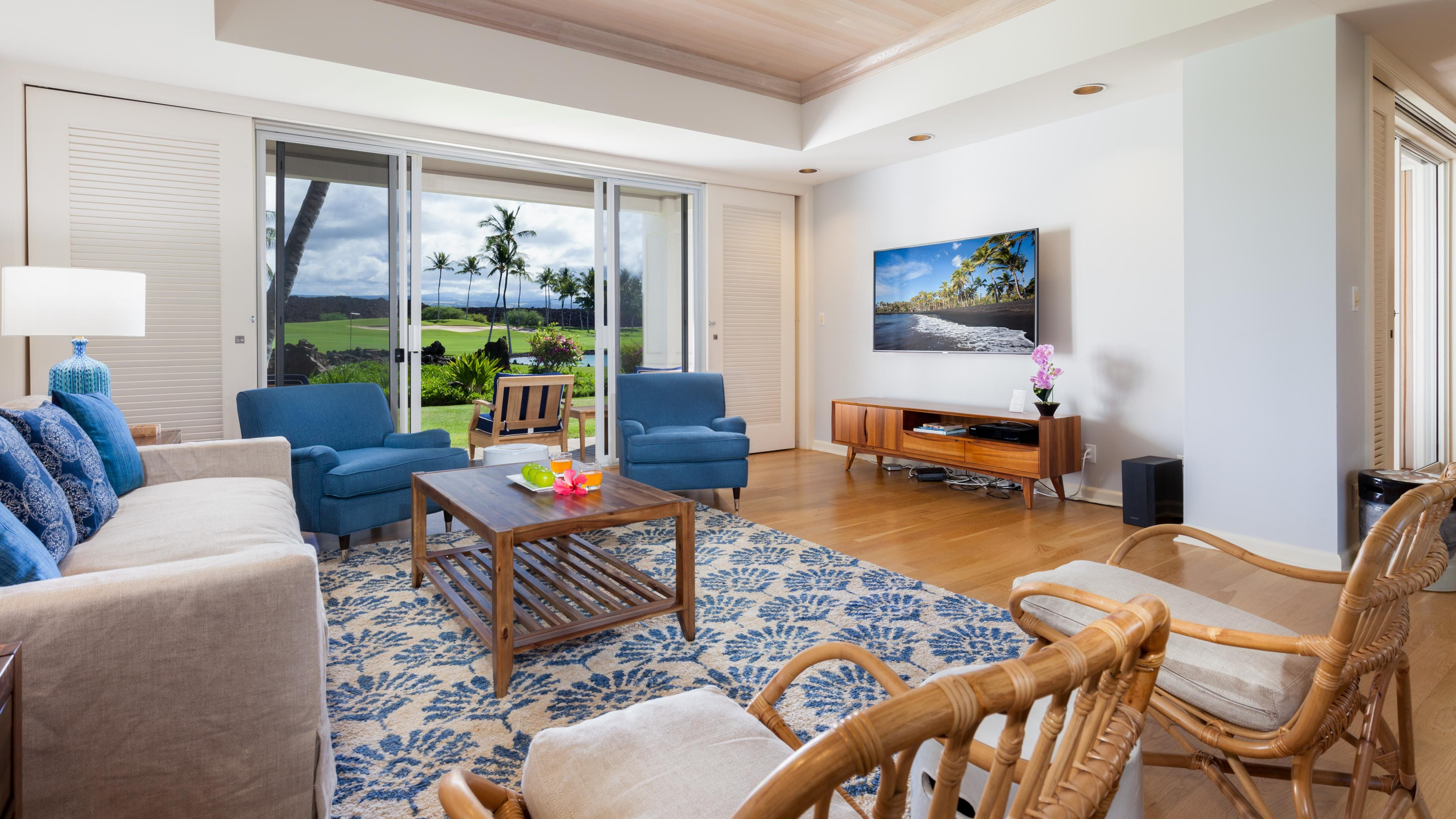Large living room with lanai