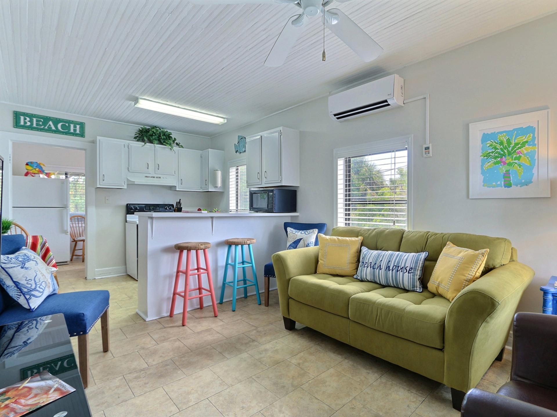 Property Image 1 - Classic Beachside Apartment with Pool Access