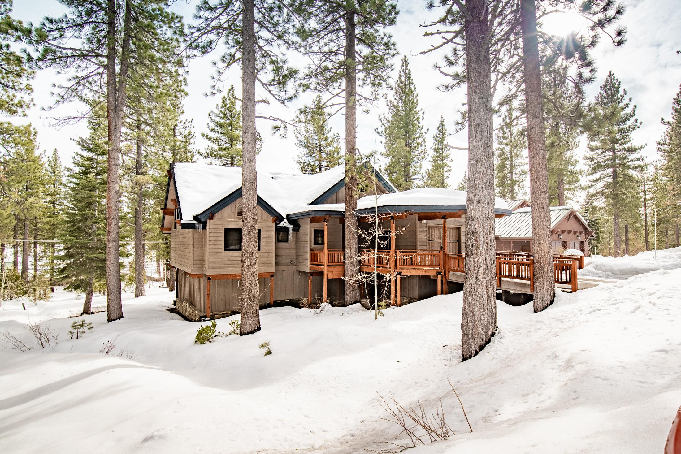 Property Image 2 - Spectacular and Captivating Cabin with Private Sauna