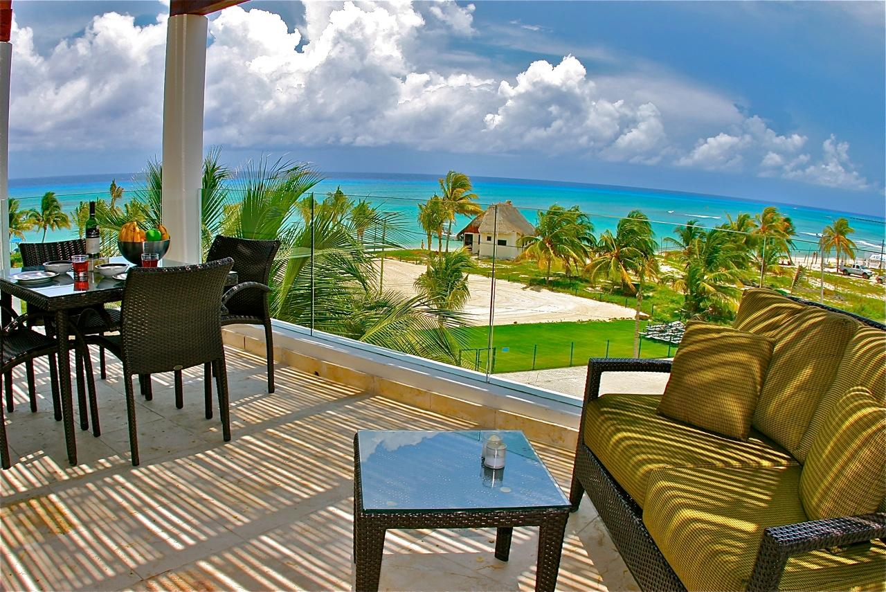 Property Image 1 - A Fan Favorite Rental offers 3 Bedrooms and Endless Ocean Views