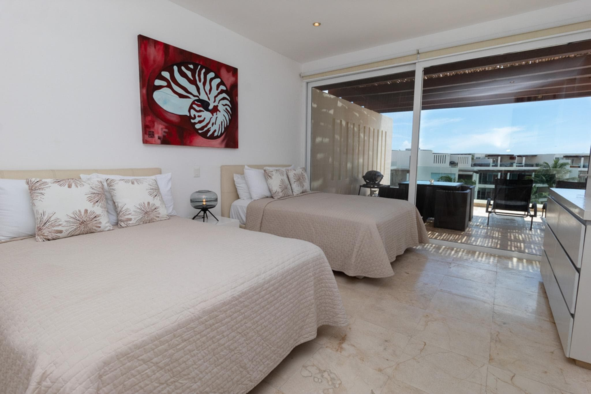 Posh and Luxurious 3 Bedroom with Ocean and Beach Views