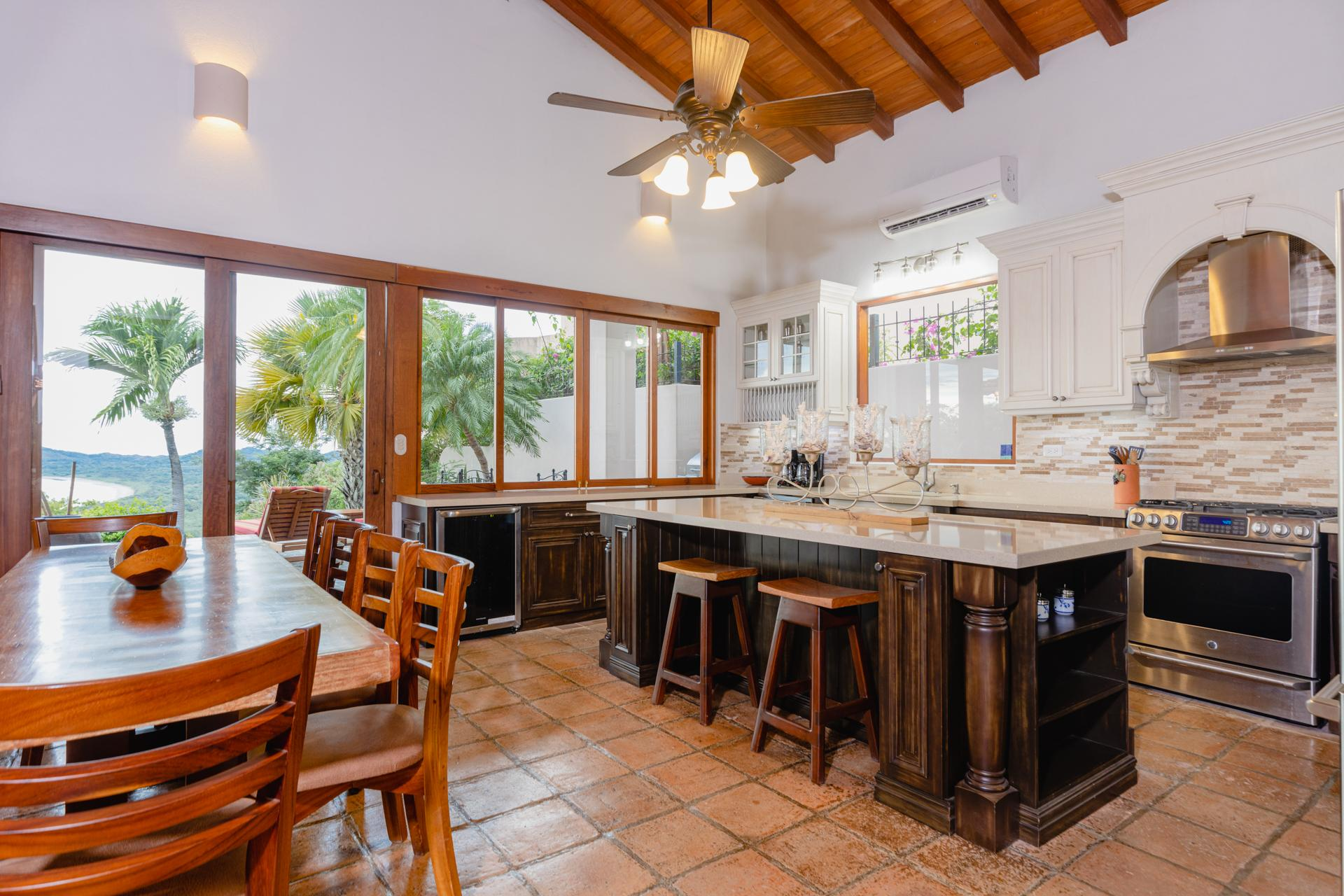 Classic beach house kitchen w