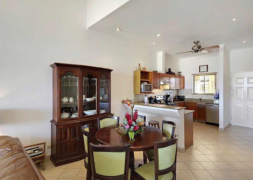 Beautiful Condo in Tamarindo Center, Steps to the Beach
