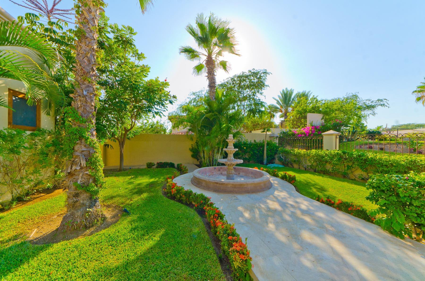 Tranquil luxury villa in gated Punta Ballena!