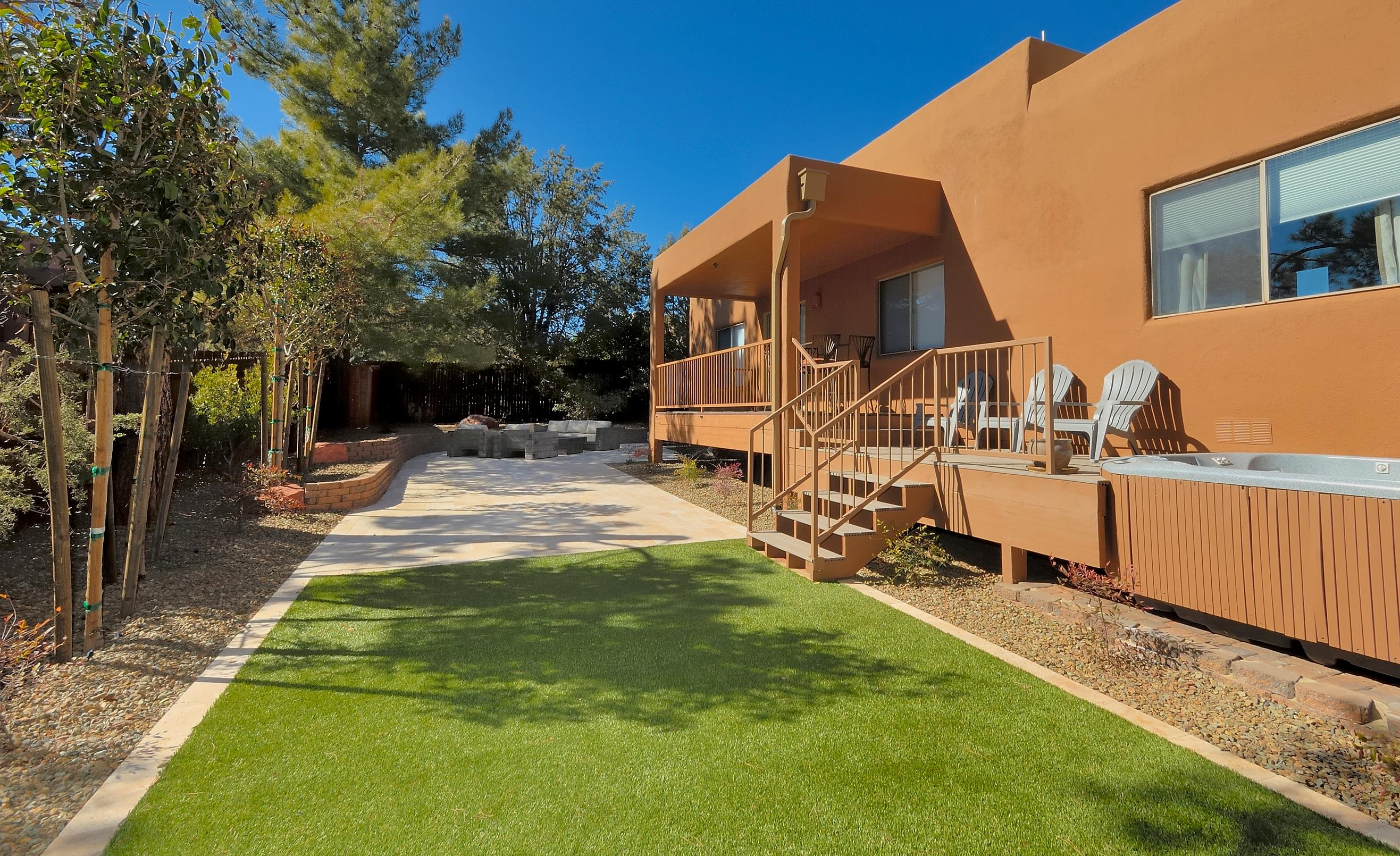SEDONA with SPACIOUS BACKYARD FEATURING SPA & PET FRIENDLY