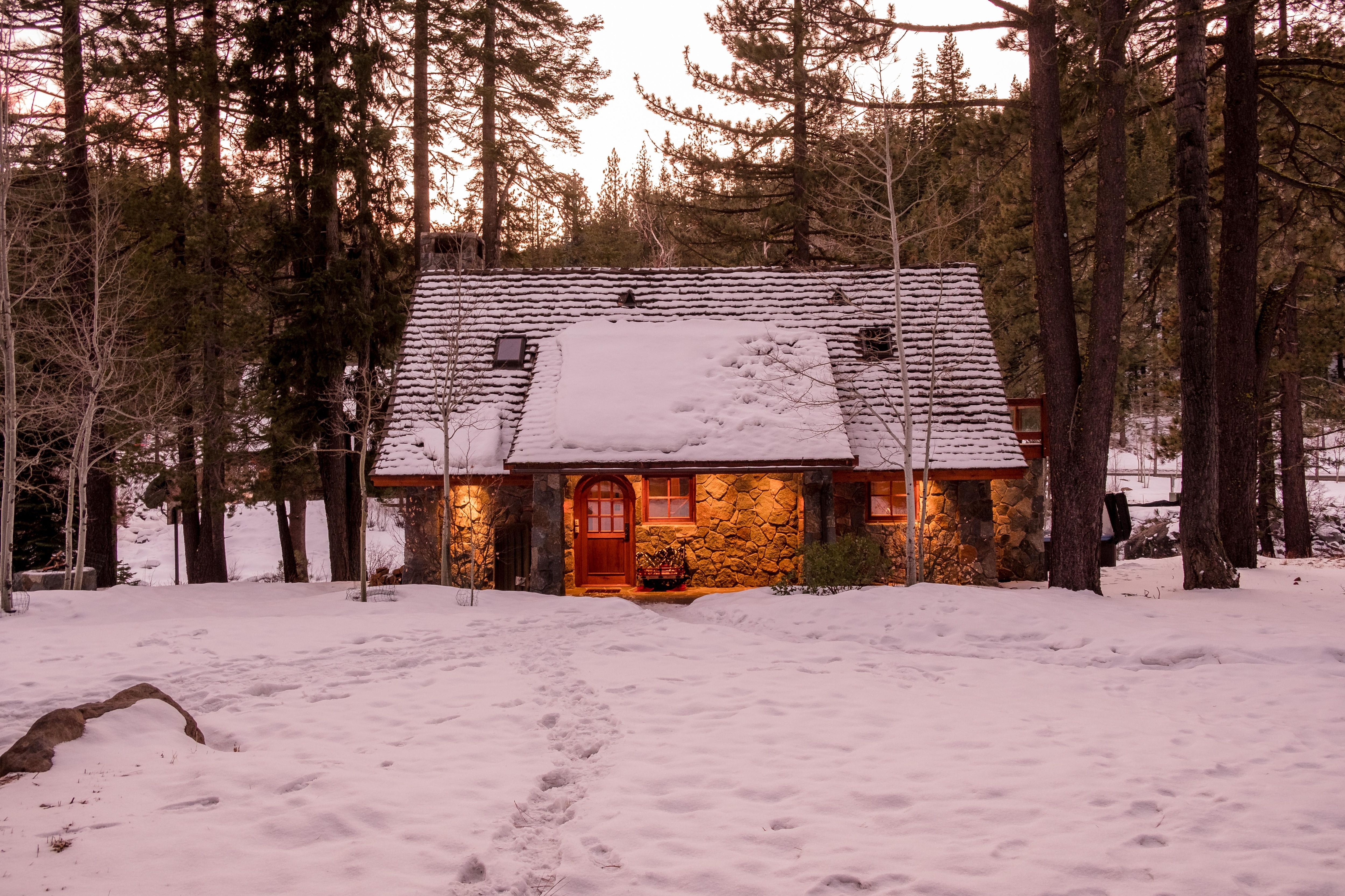 Welcome to Jasper, your cozy Tahoe cottage.
