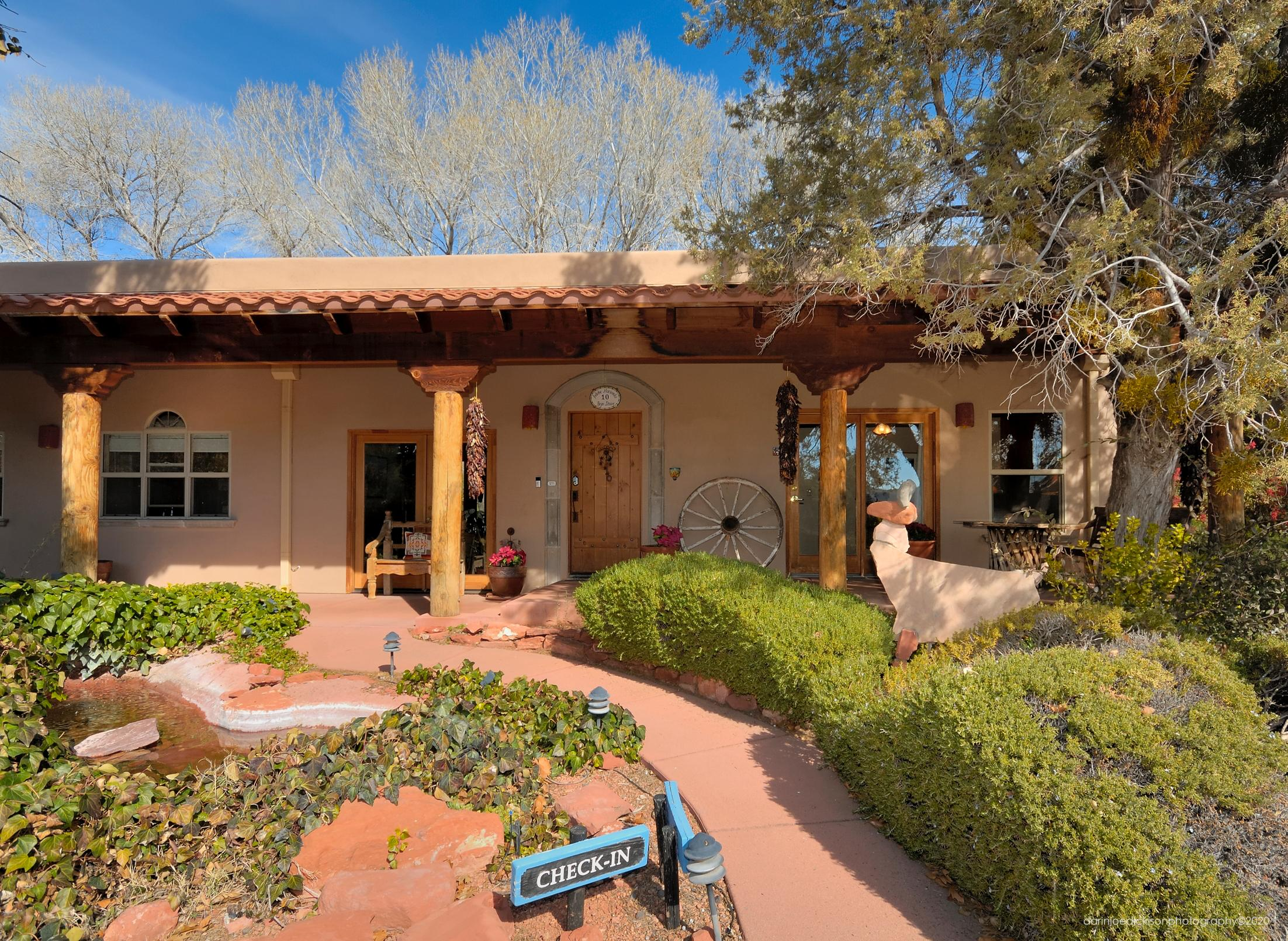 GREAT FOR RETREATS & FAMILY REUNIONS! ADOBE HACIENDA BED & BREAKFAST