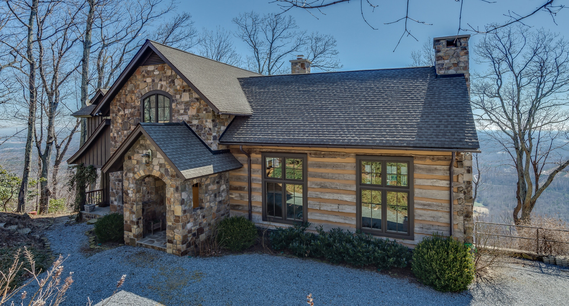 Property Image 2 - Stunning Luxurious Stone and Log Home with Charming Character