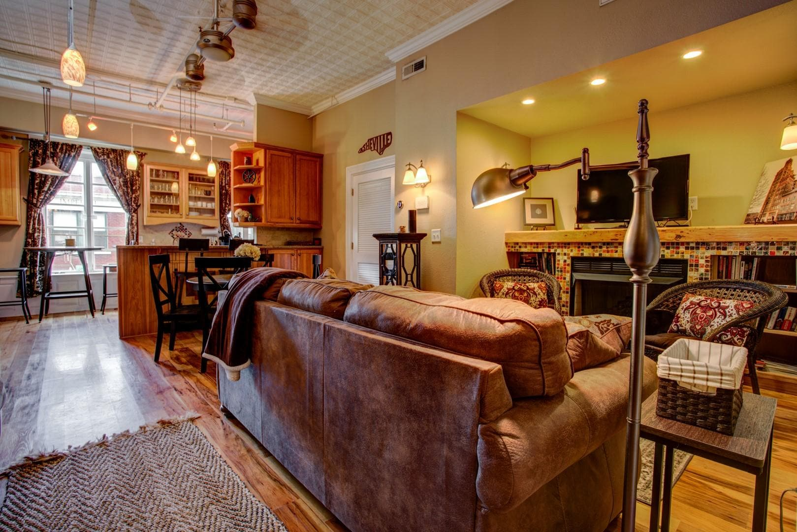 Stylish 2 bedroom Loft in Downtown Asheville
