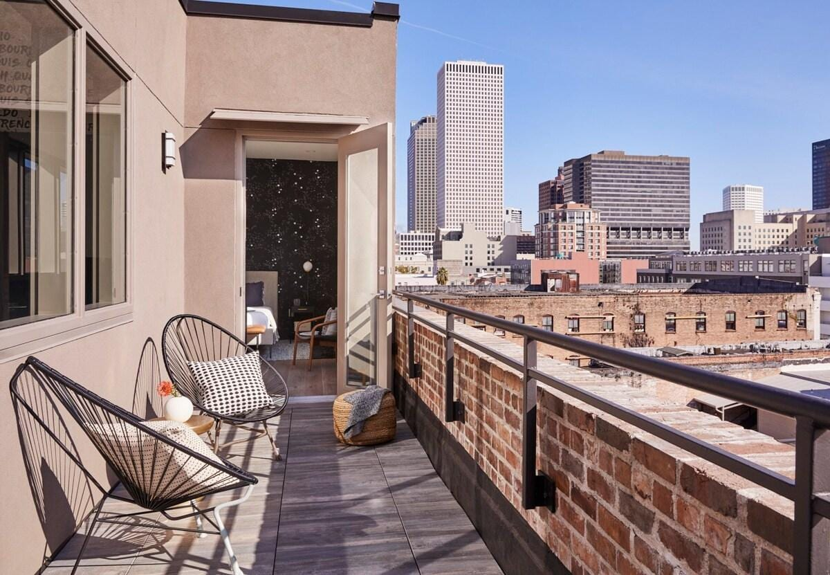 Property Image 2 - The Brandywine | 2 Bed Penthouse #PH3 | Heated Rooftop Pool | 5 min drive to Bourbon St