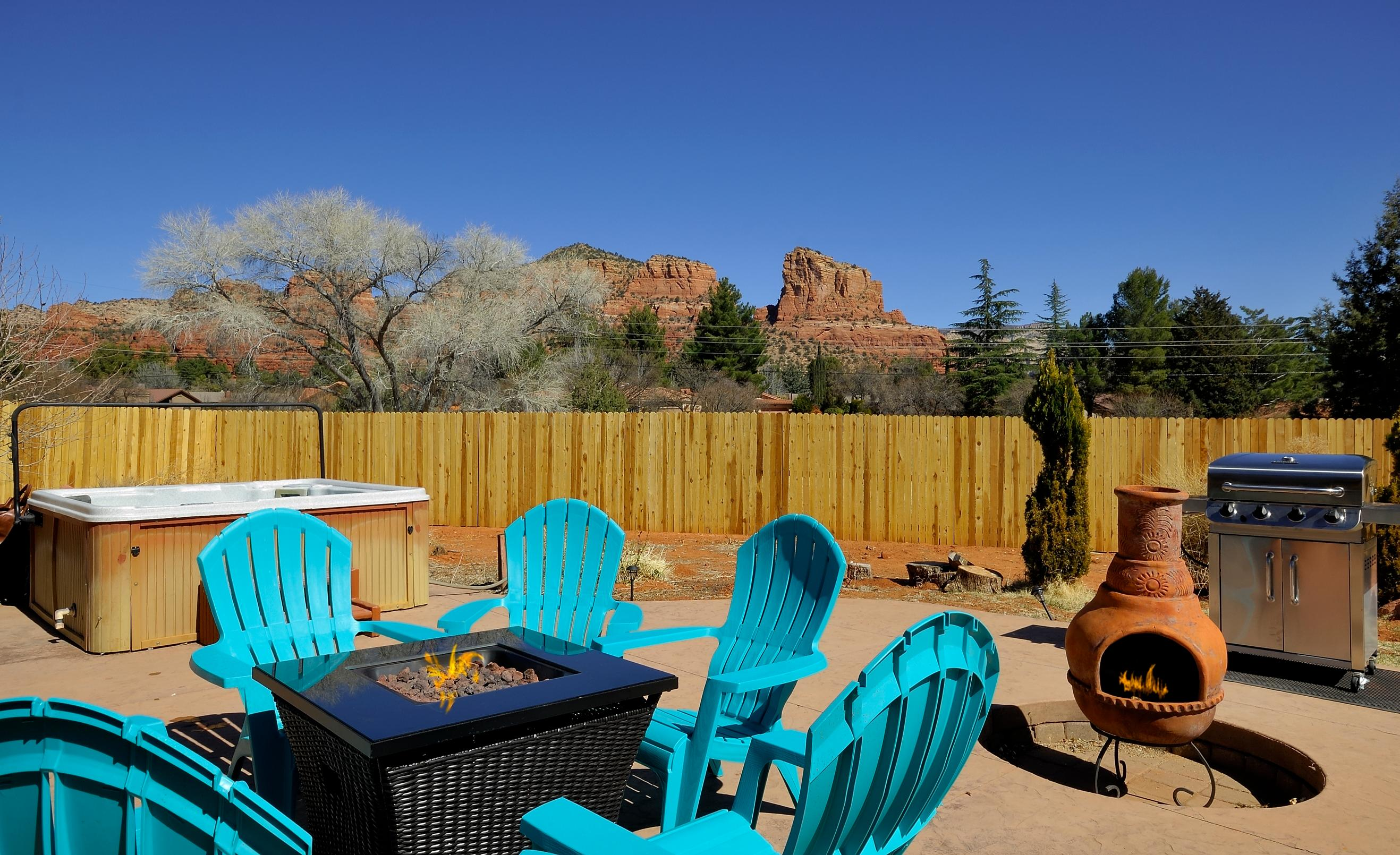 SCENIC SEDONA with SPA, POOL TABLE & MOUNTAIN VIEWS PET FRIENDLY