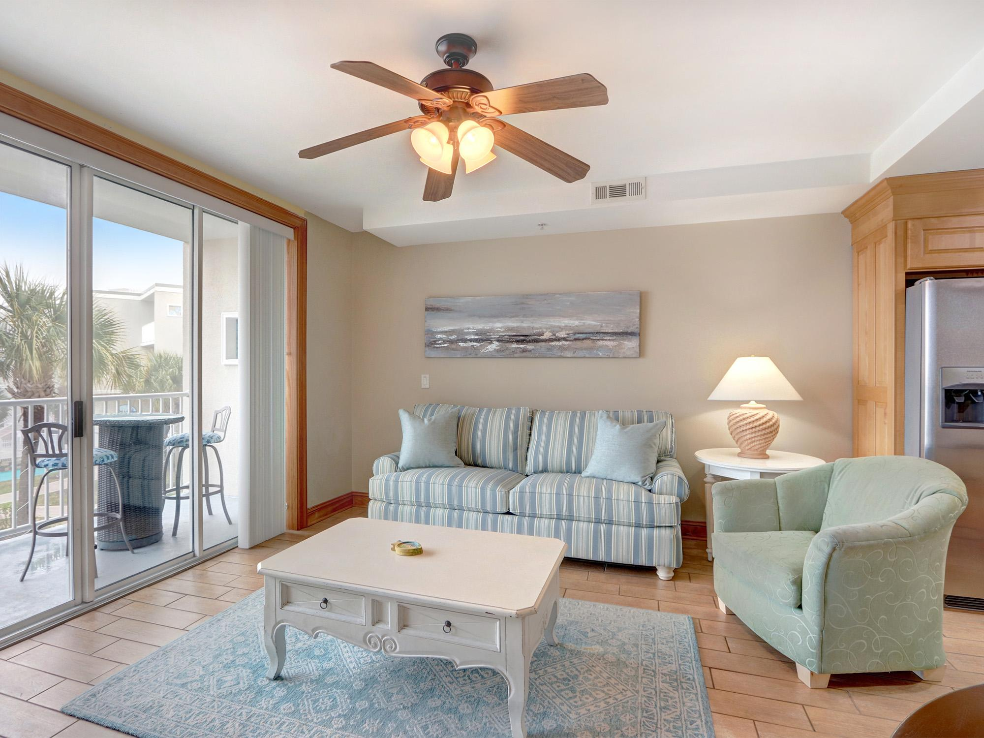 Perfect Condo Near the Beach with a Community Pool