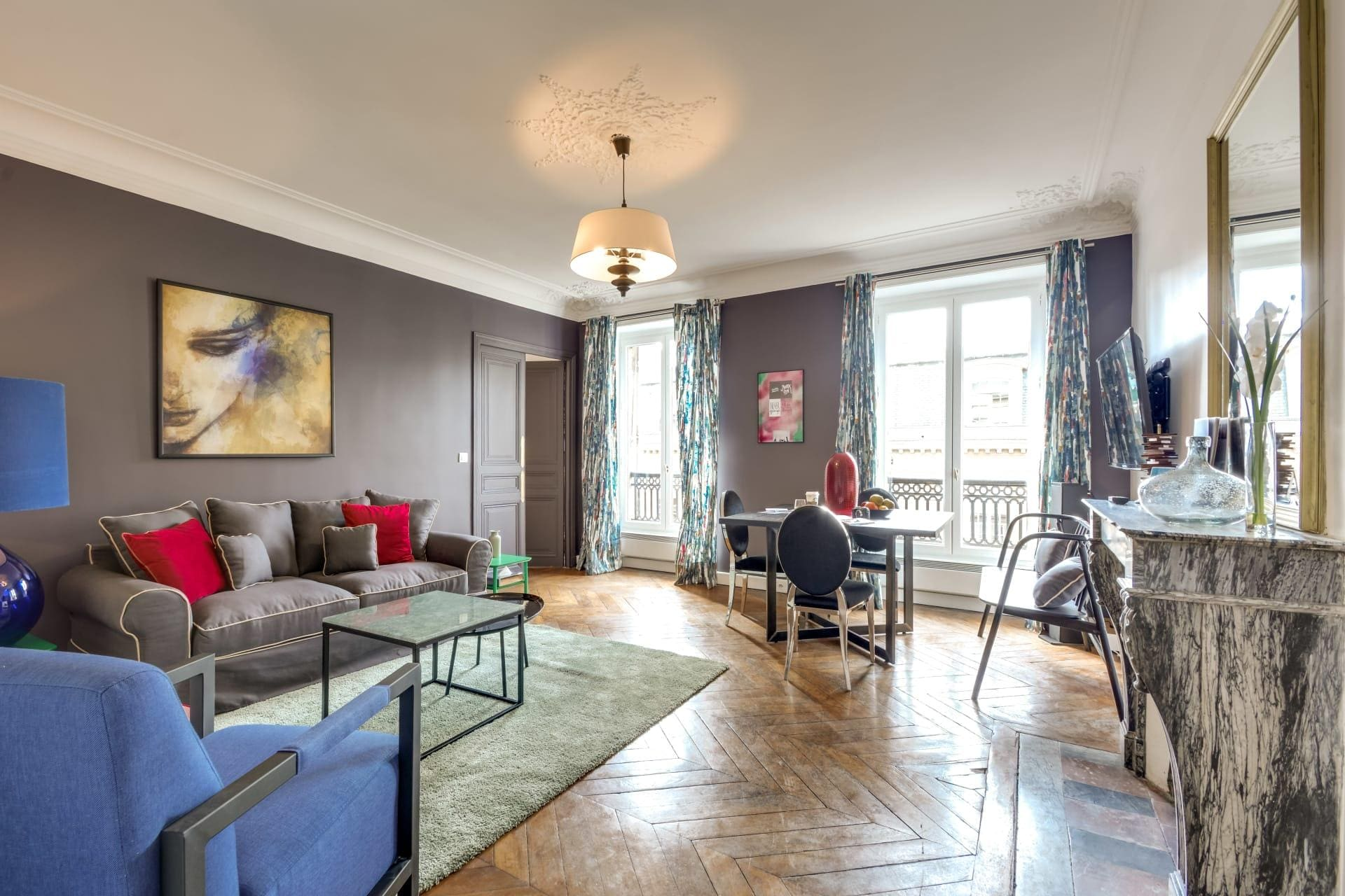 Three-Bedroom Apartment for Culture In Le Marais District