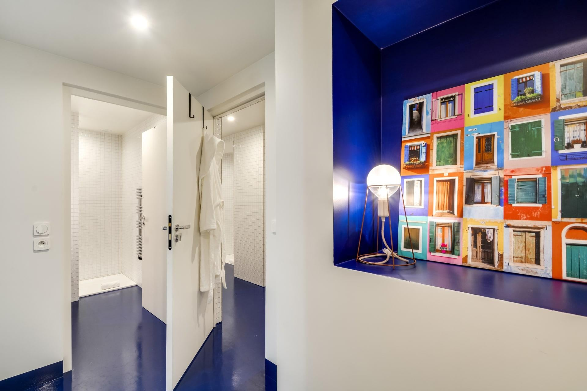 Colorful 3 Bedroom Apartment in The Le Marais District