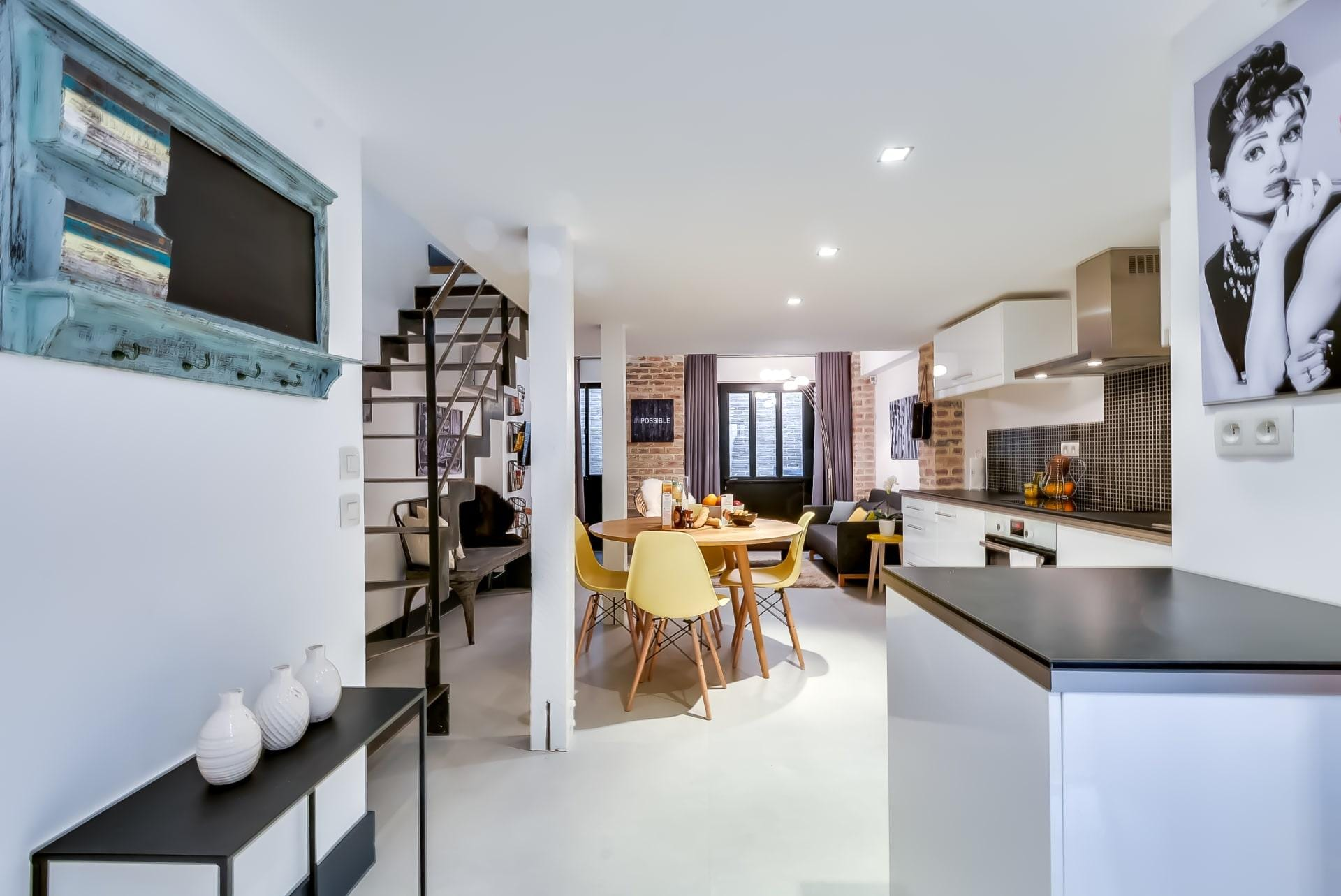 Property Image 2 - Two Bedroom Holiday Apartment in Montmartre near Metro Station