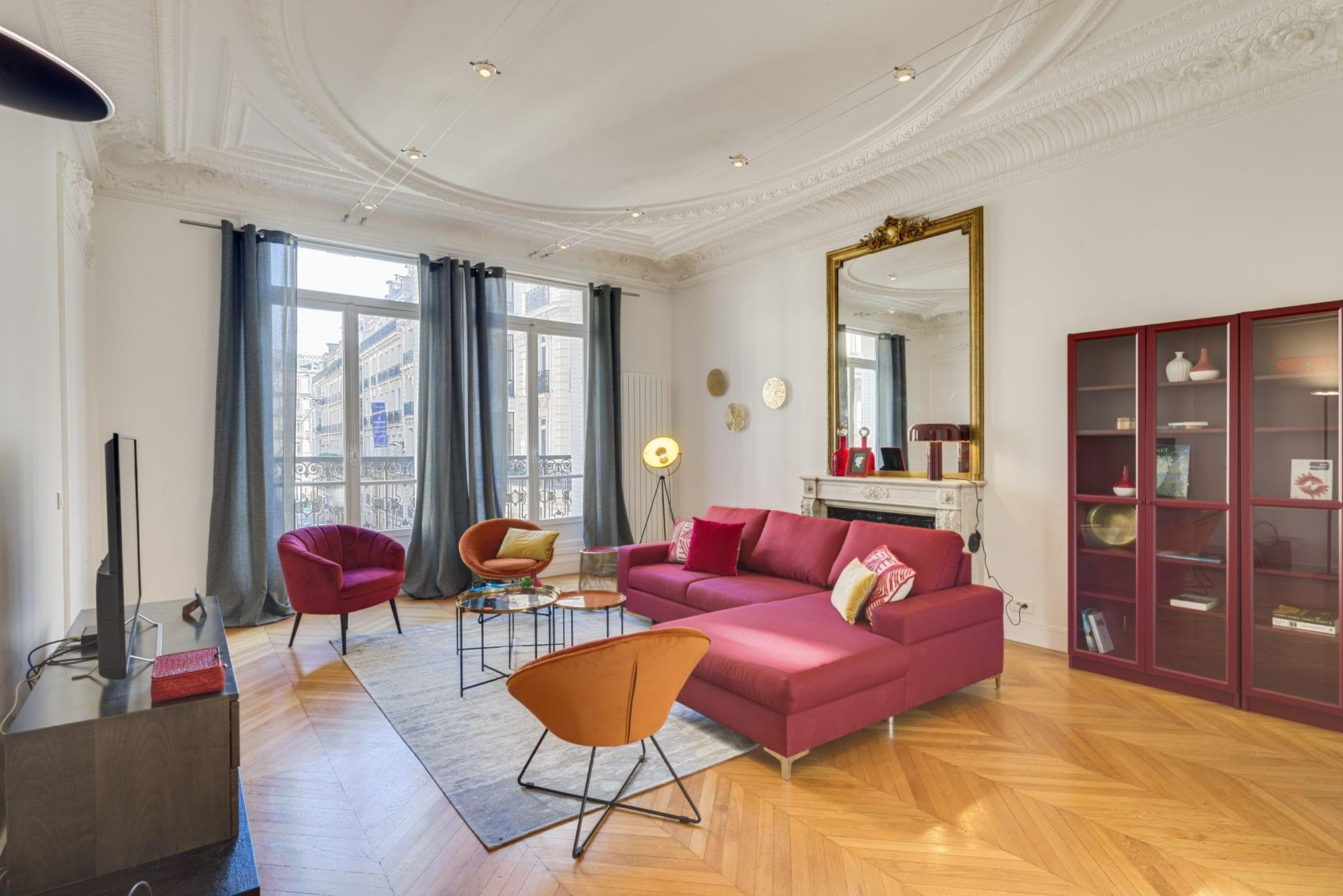 Property Image 1 - Stylish Apartment in the Champs Elysees Neighbourhood of the best of Paris