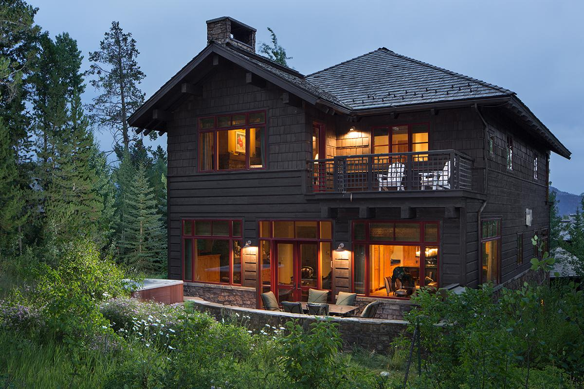 Slope-side Granite Ridge Luxury Lodge with Ample Space for All