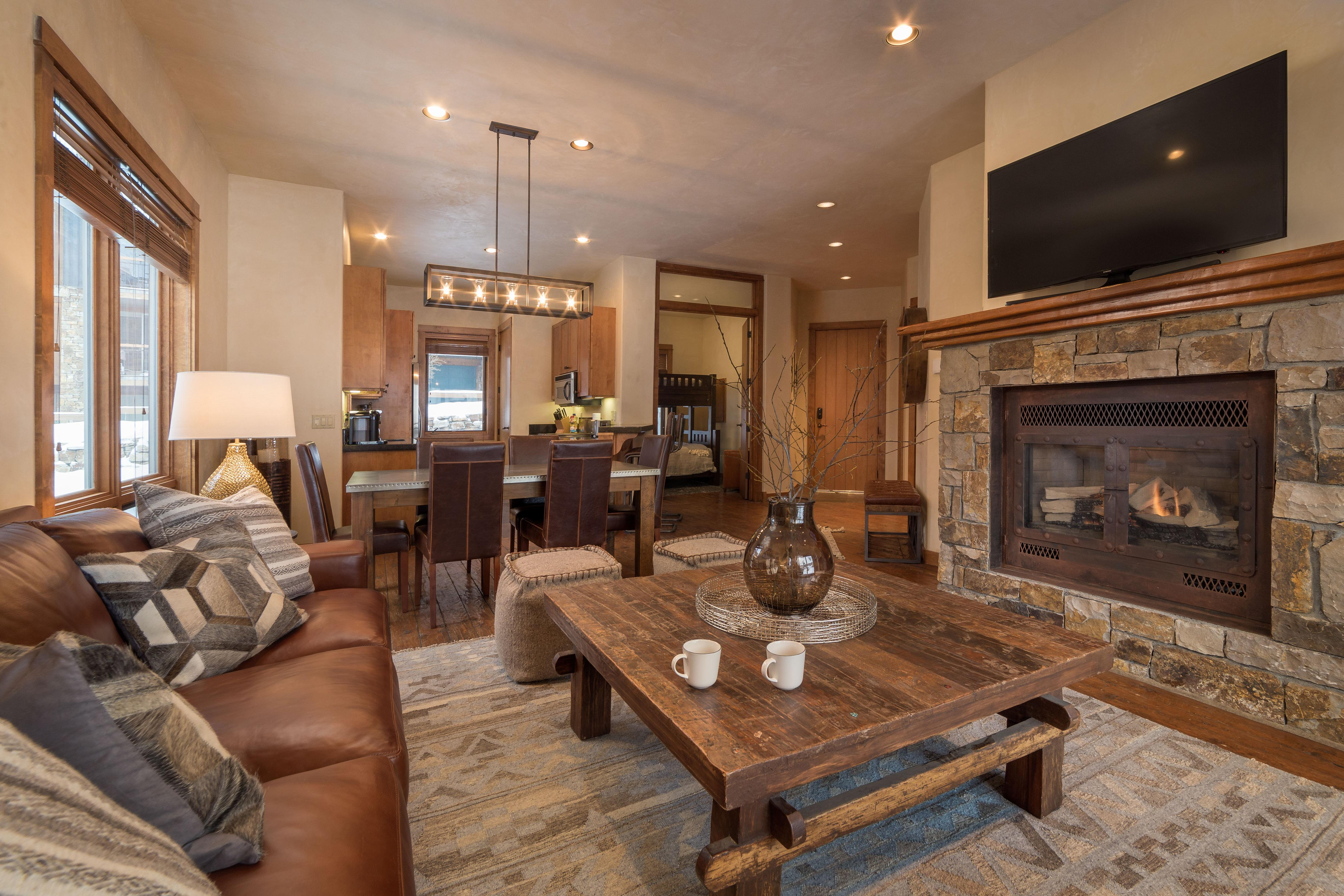 Ski-in Ski-out Condo with Dedicated Parking and a BBQ Grill