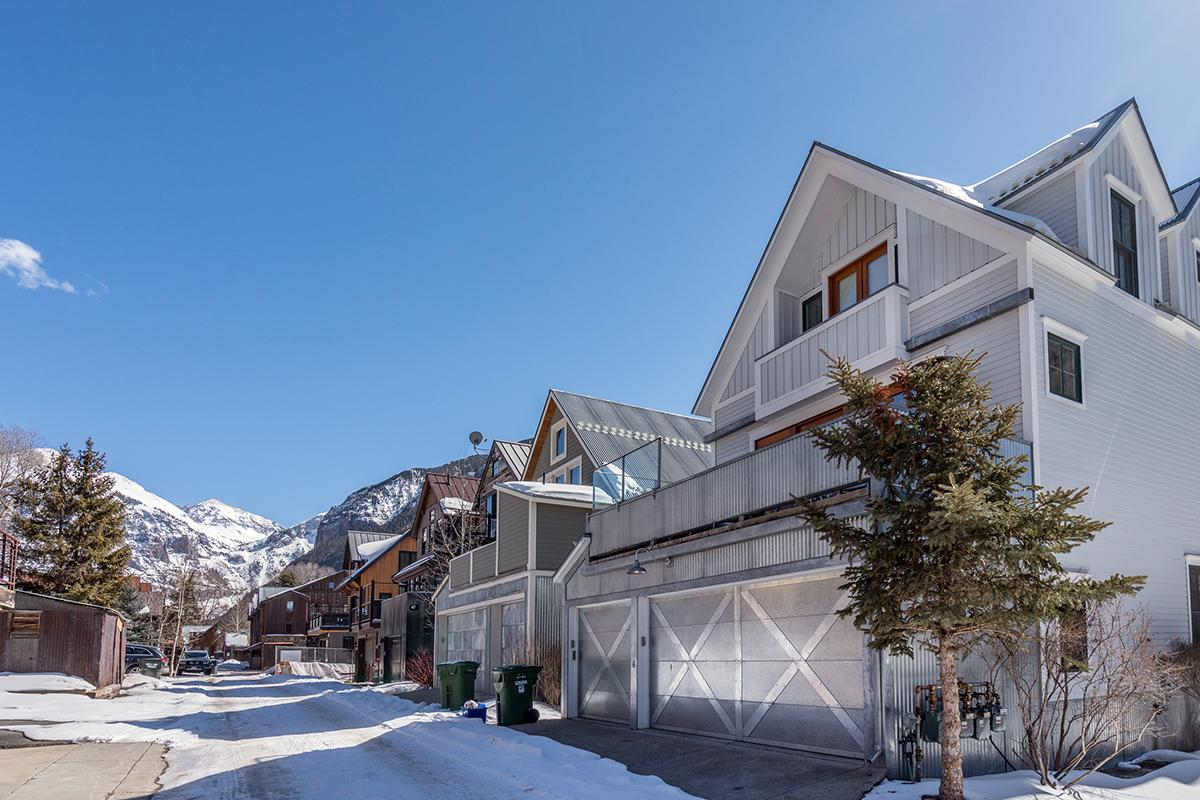 Gorgeous Modern Home Steps from the Telluride Gondola