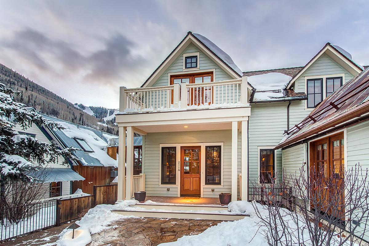 Traditional and Cozy Telluride Home with Private Patio