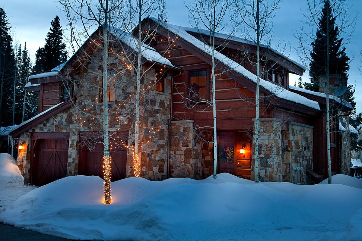 Upscale Walk to Ski Townhome with Theater Room, Hot Tub