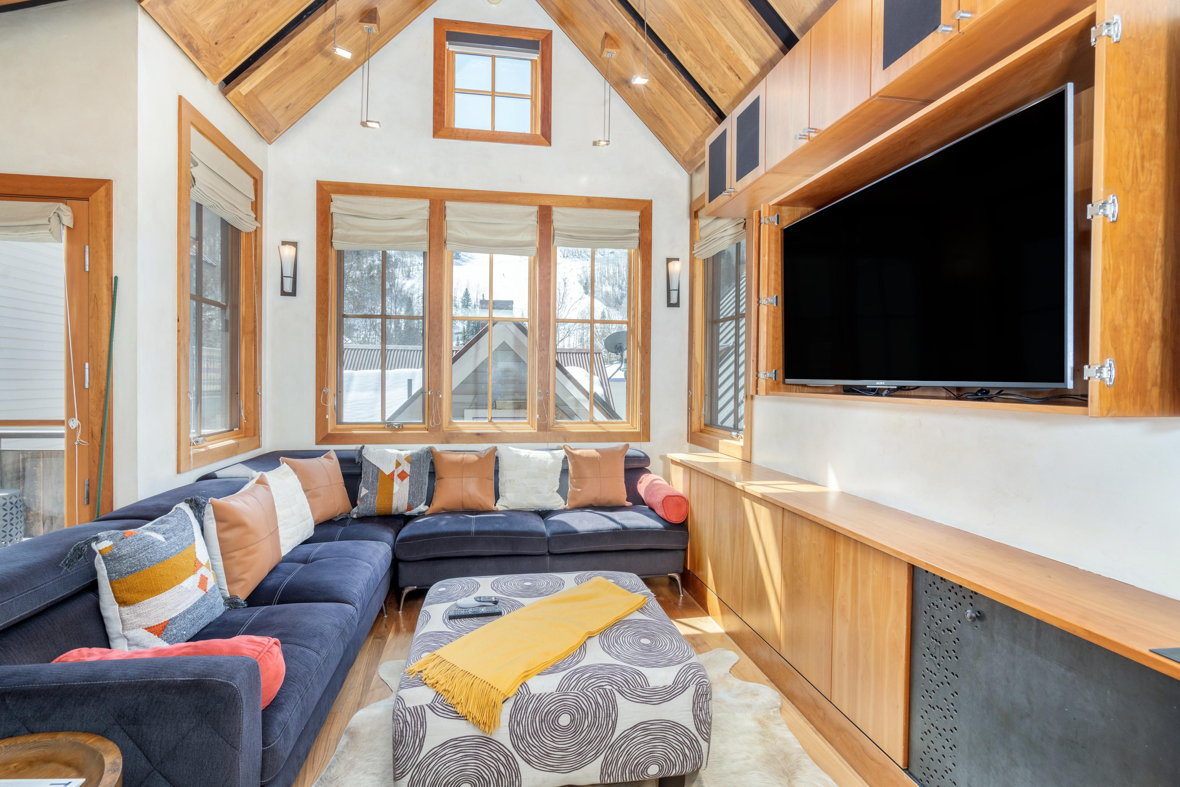 Property Image 2 - Bright and Contemporary Pet Friendly Telluride Townhouse