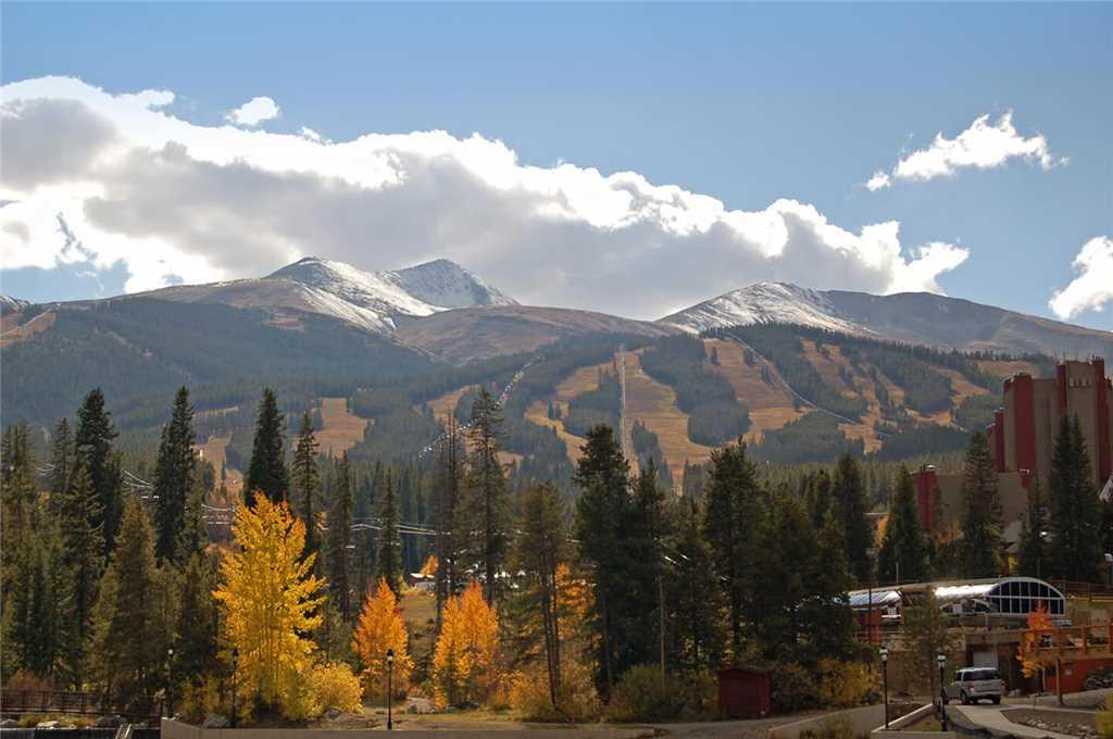Majestic Breckenridge Lodge w/ Views and Sleeps 23
