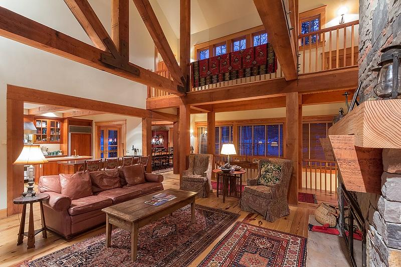 Spacious and Stately Log Cabin Home with a Private Hot Tub