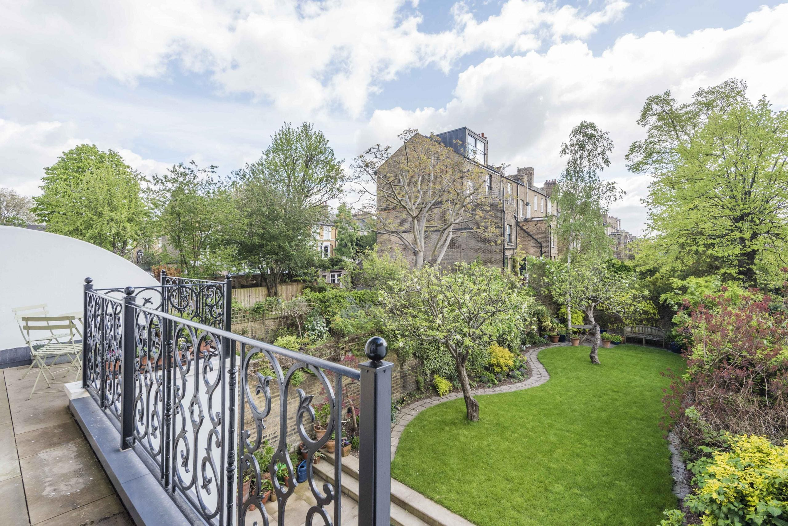 Property Image 2 - Luxurious Highbury Mansion with Beautiful Garden