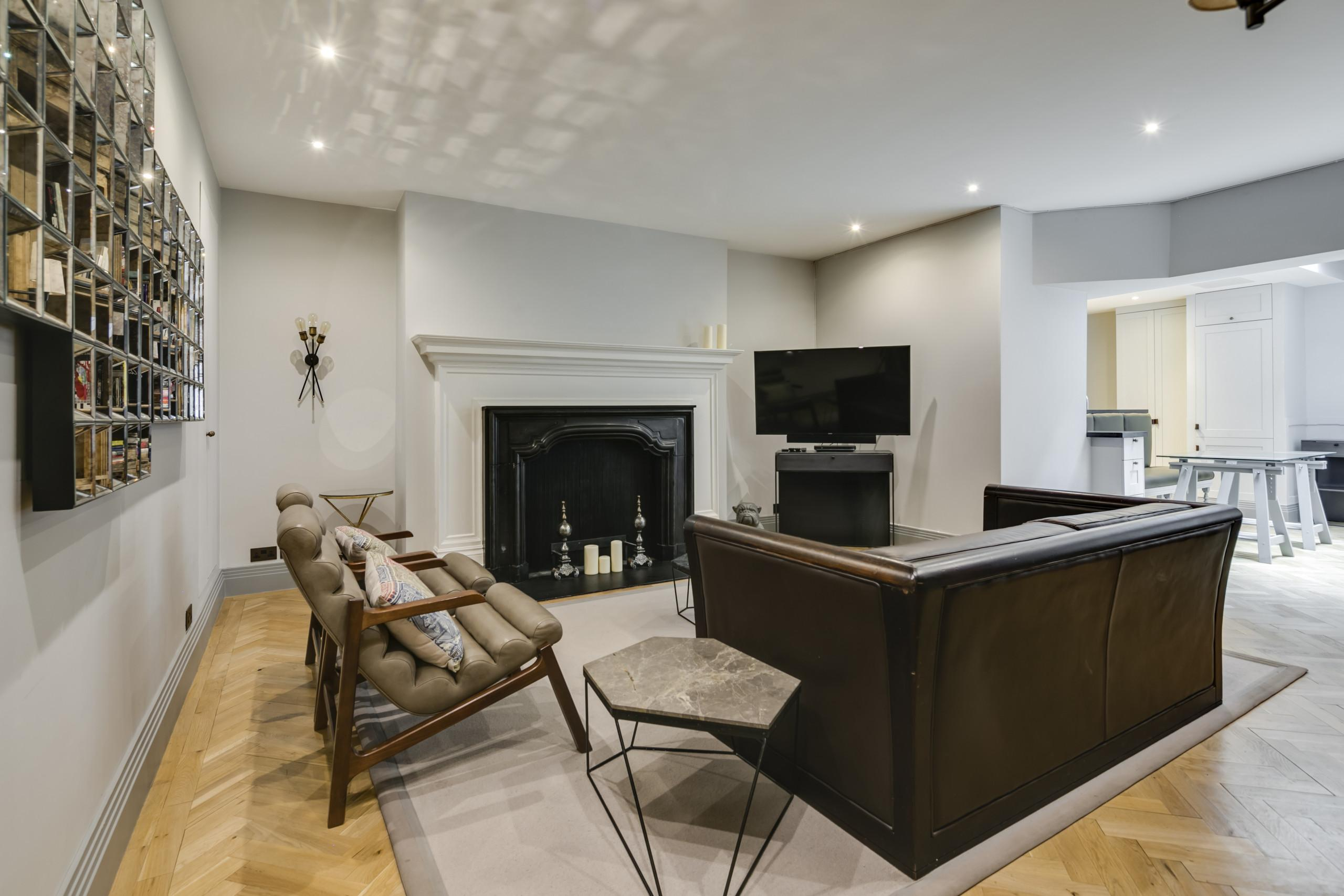 Property Image 1 - Stunning Mayfair Apartment with Private Courtyard