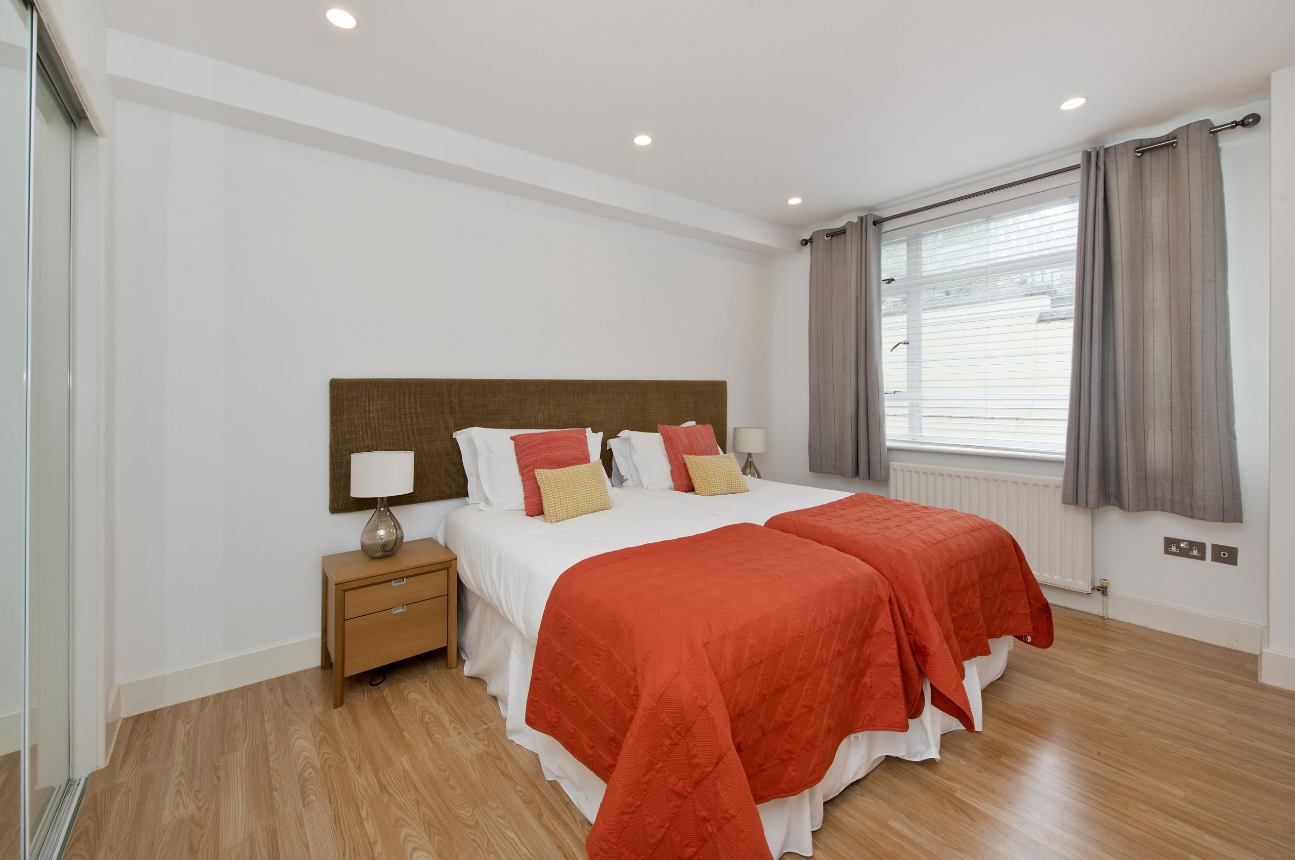 Property Image 2 - Luxury Family Home in Chelsea
