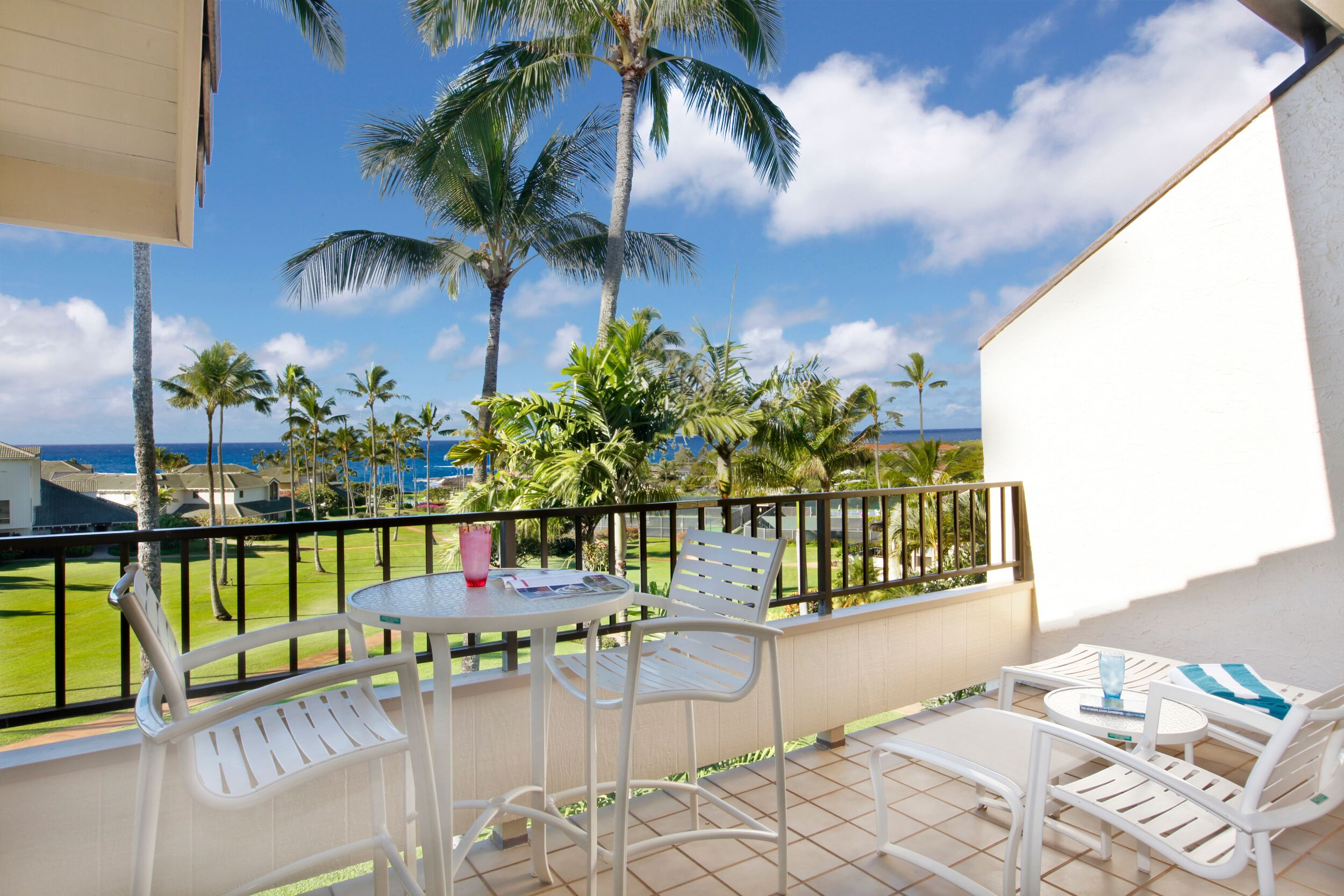 Property Image 2 - Spacious Hawaiian Getaway with Spectacular Ocean Views