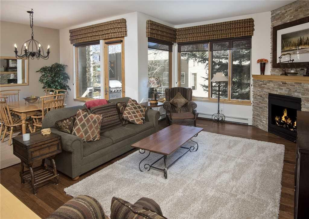 Spacious Vail Condo with Private Hot Tub