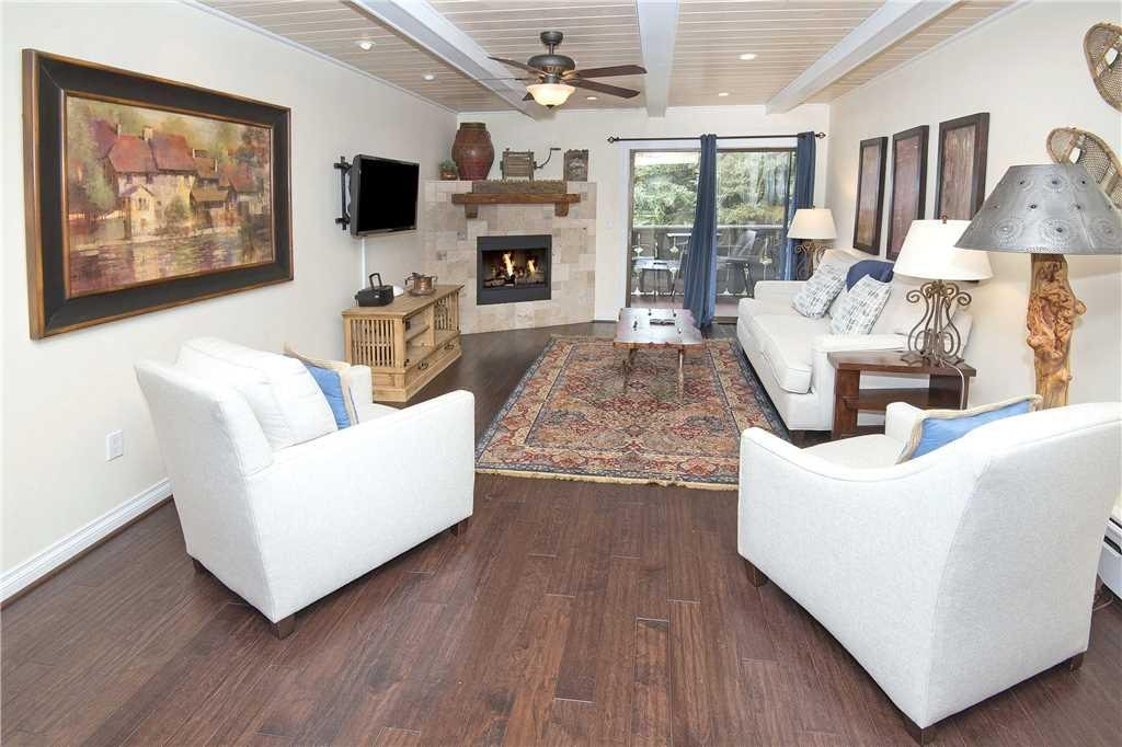 Luxury Two Bedroom Property with Easy Walk to Vail Dining and Bars