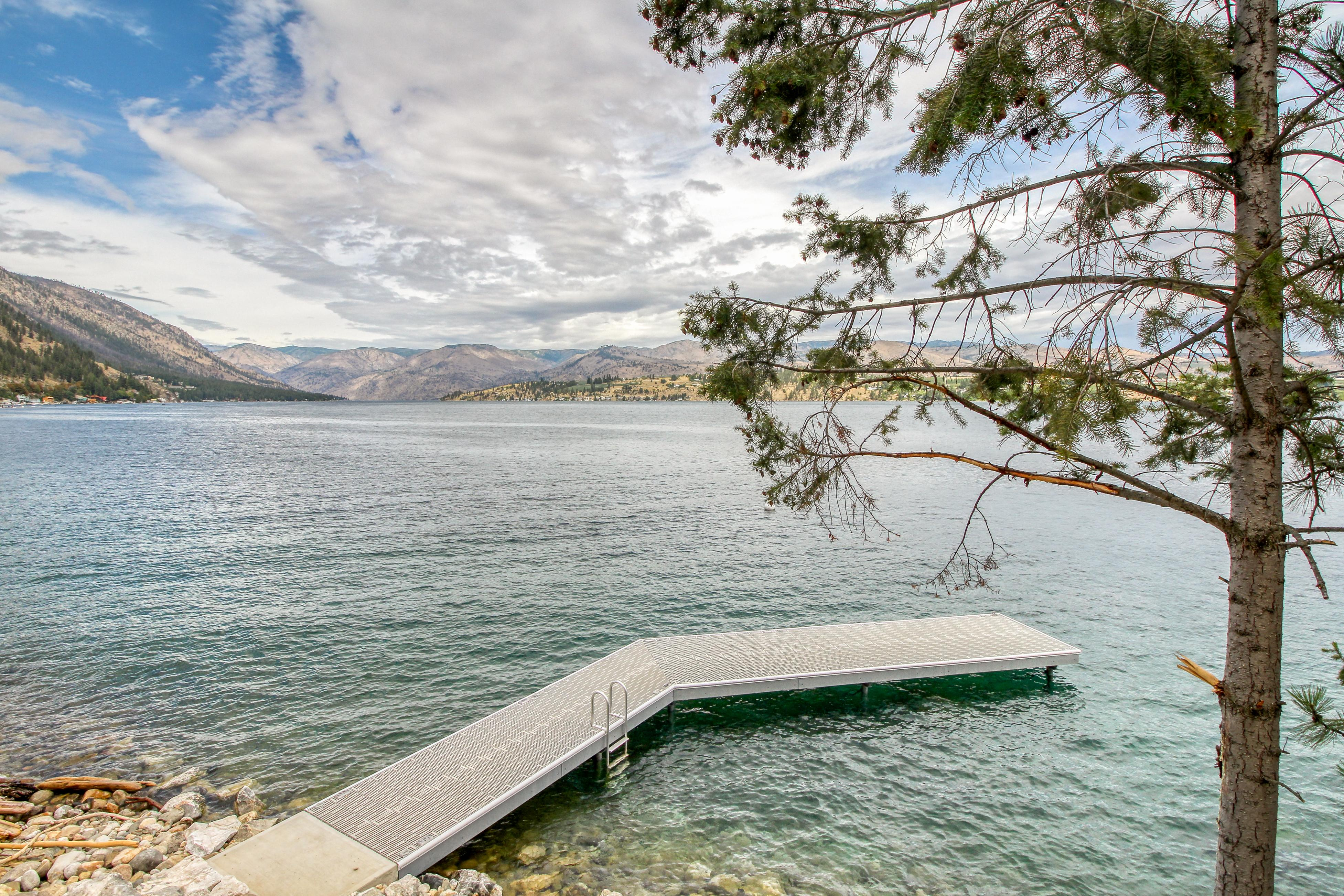 Property Image 2 - Constellations Lake House at Chelan