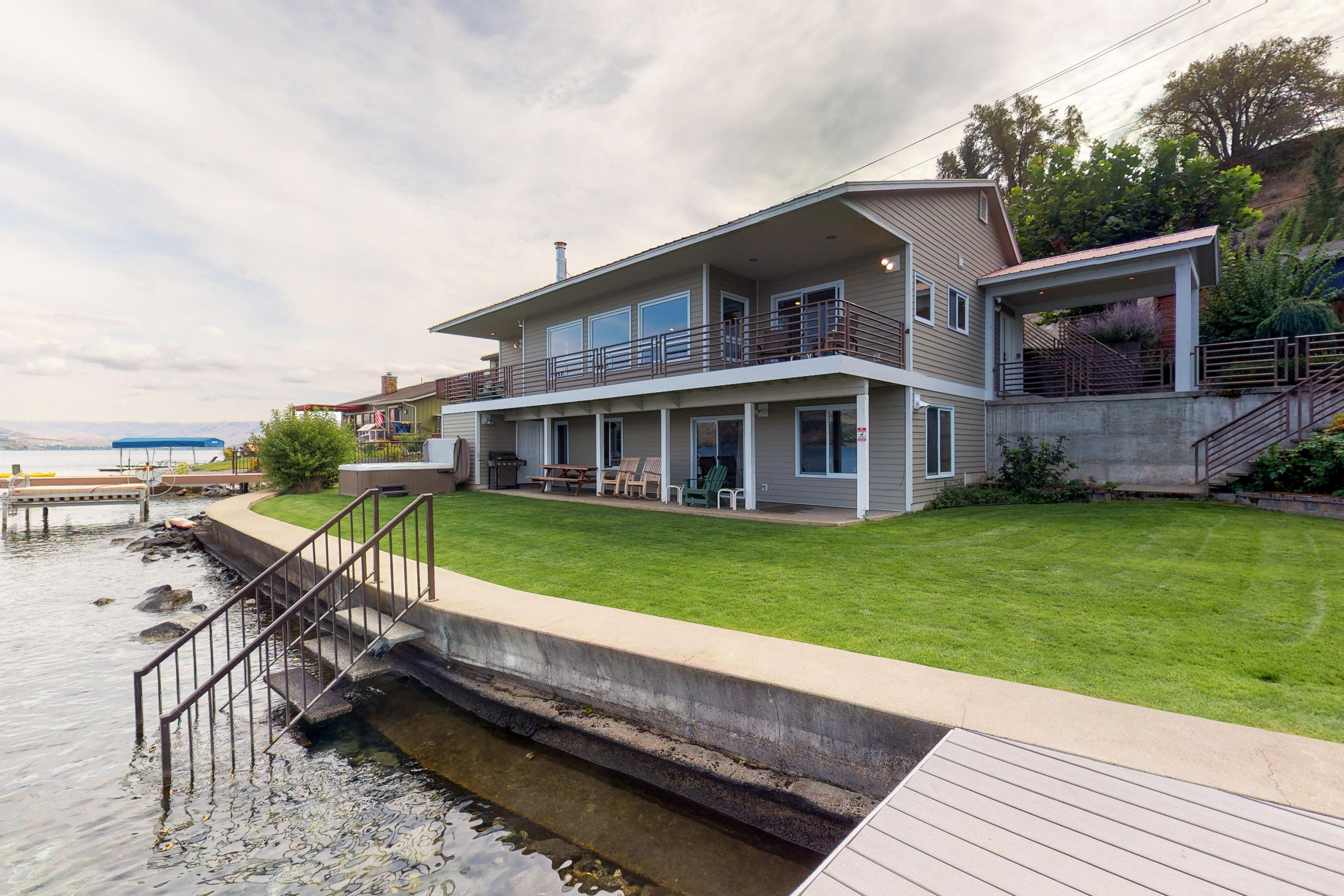 Property Image 1 - South Lakeshore Waterfront Oasis