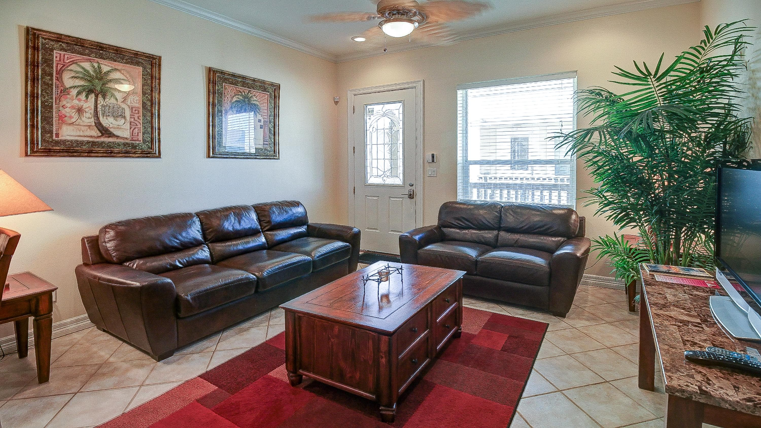 Property Image 1 - Escape Condominiums #8