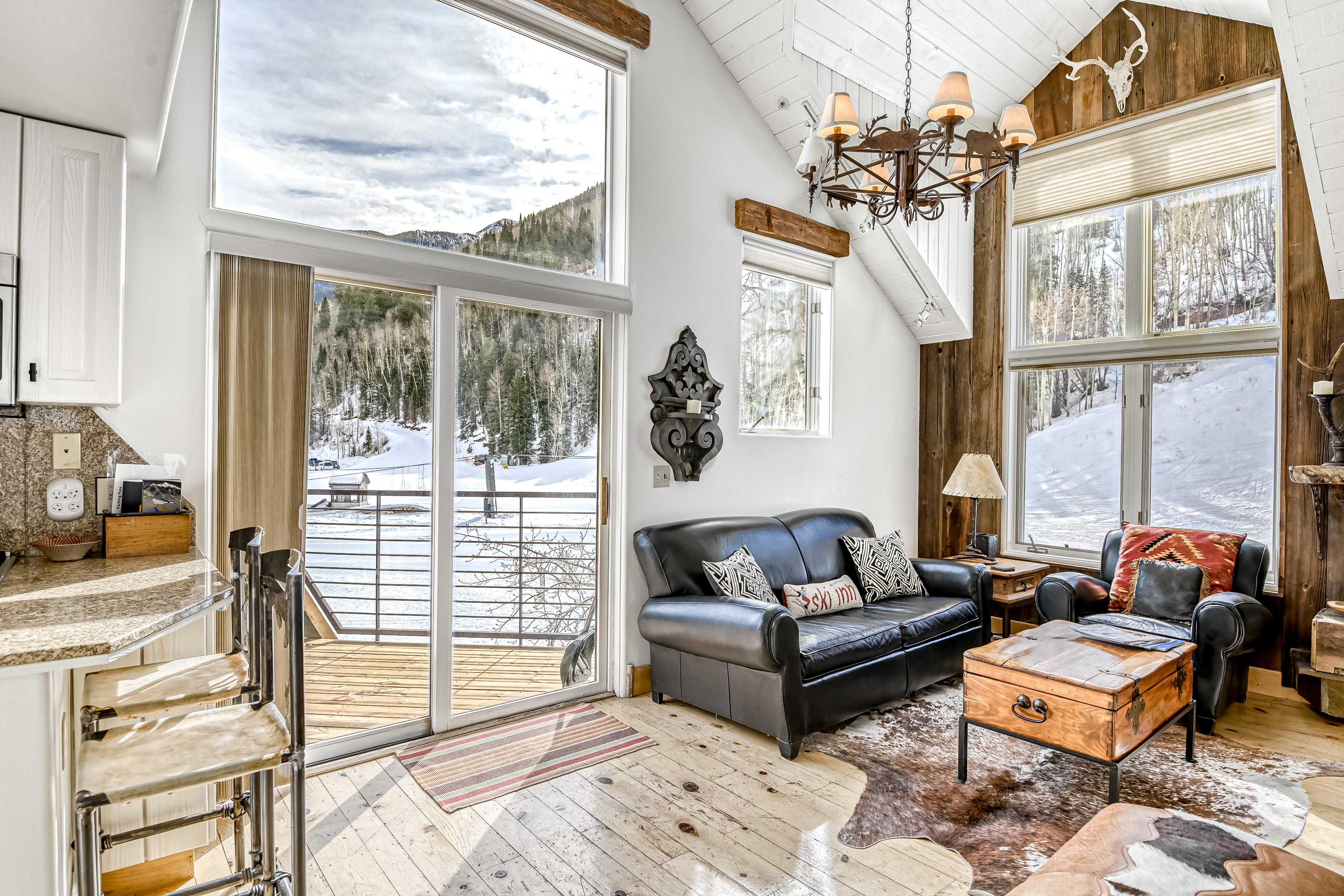 Double Diamond Ski-in/Ski-out Chalet