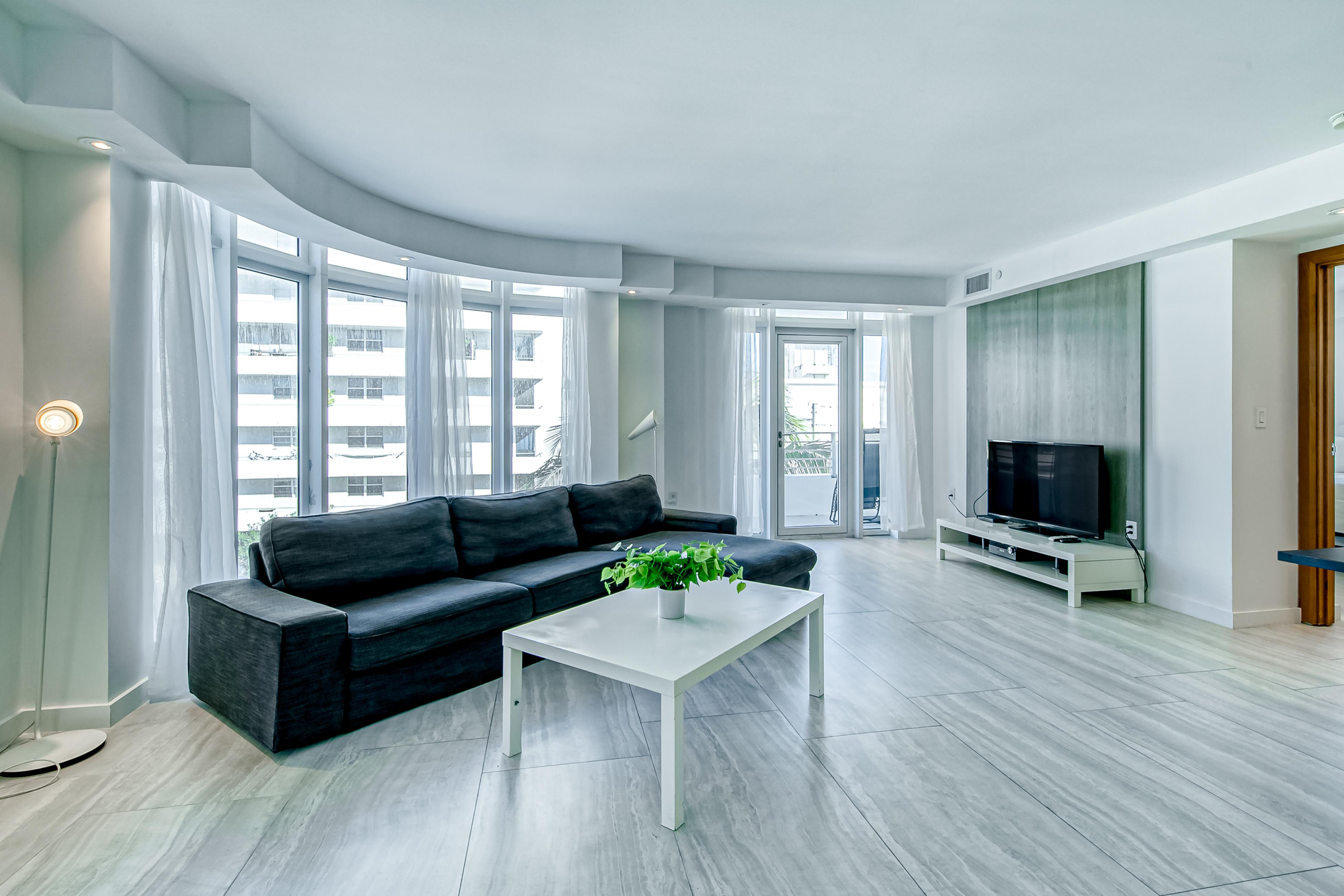 Modern Ocean Drive Condo in the Heart of Sobe!