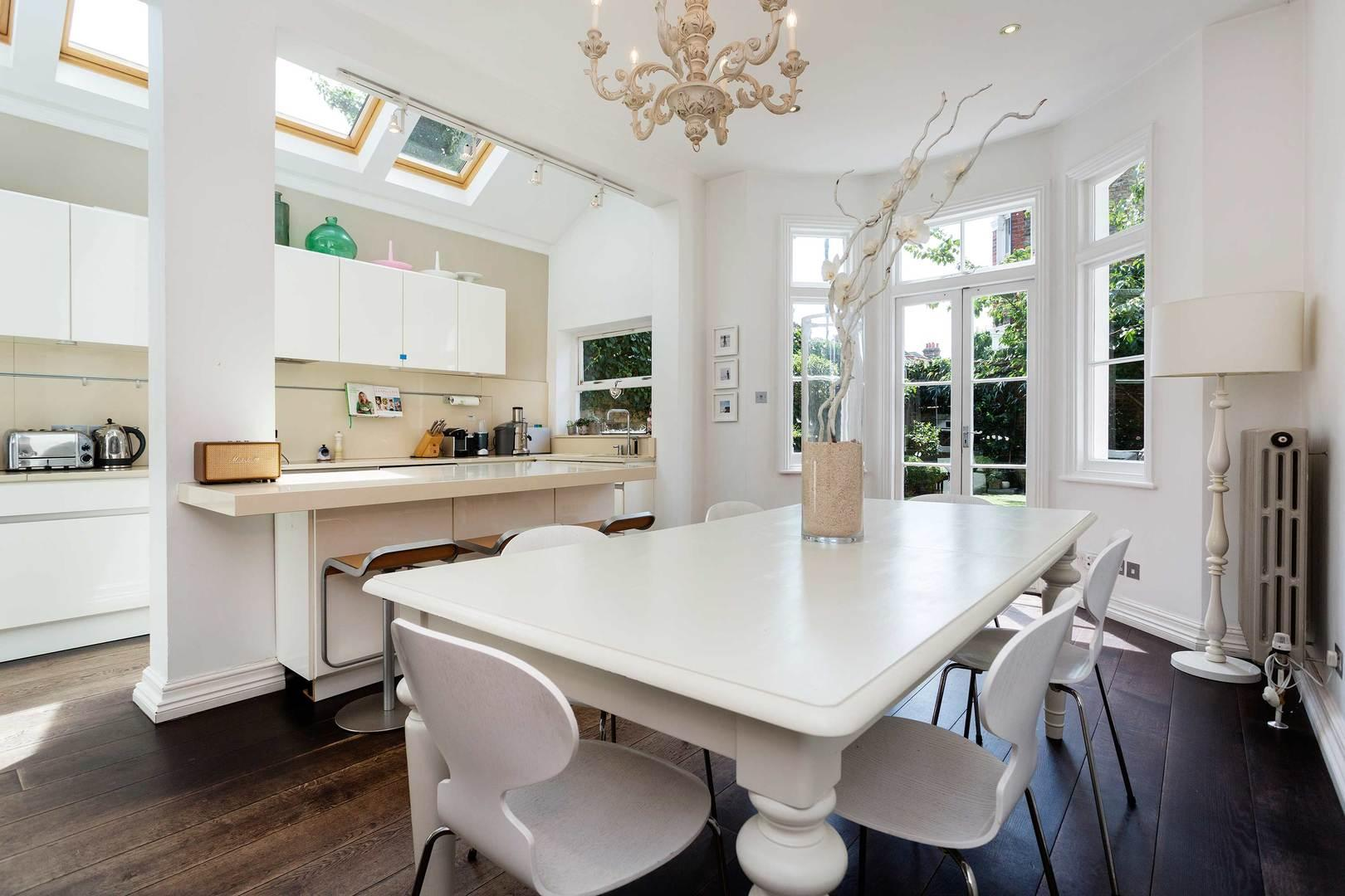 Property Image 2 - Attractive Clapham Family Home with Immaculate Garden