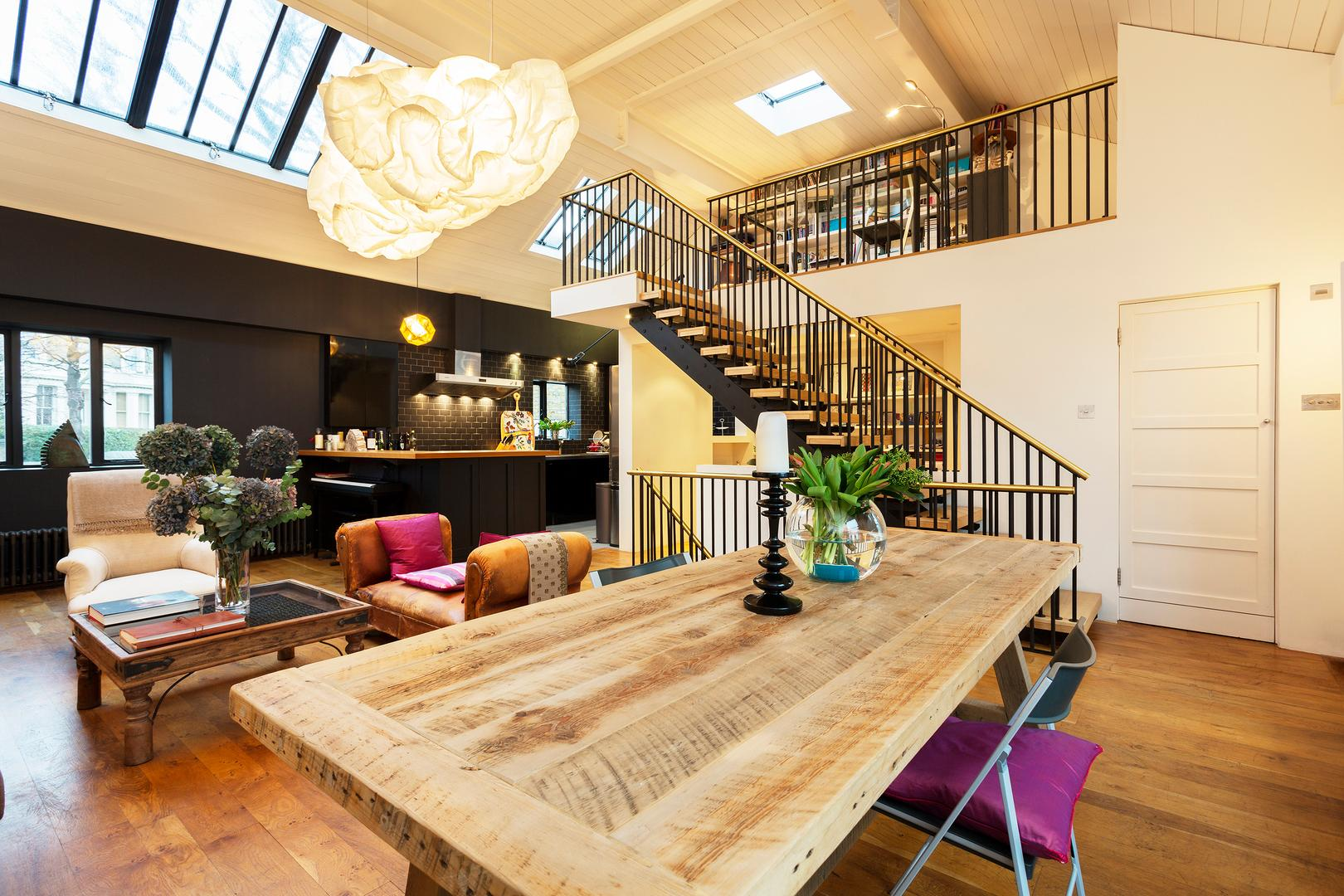 Property Image 2 - Spectacular Artistic Mews House in Stylish Notting Hill