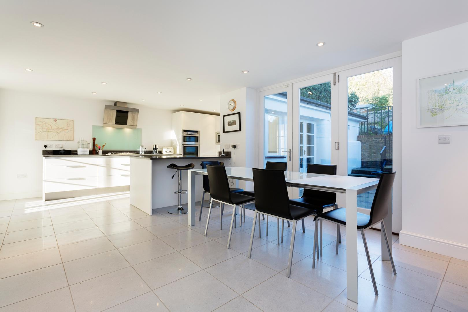 Property Image 2 - Bright & Classic Hampstead Home by Keat's House