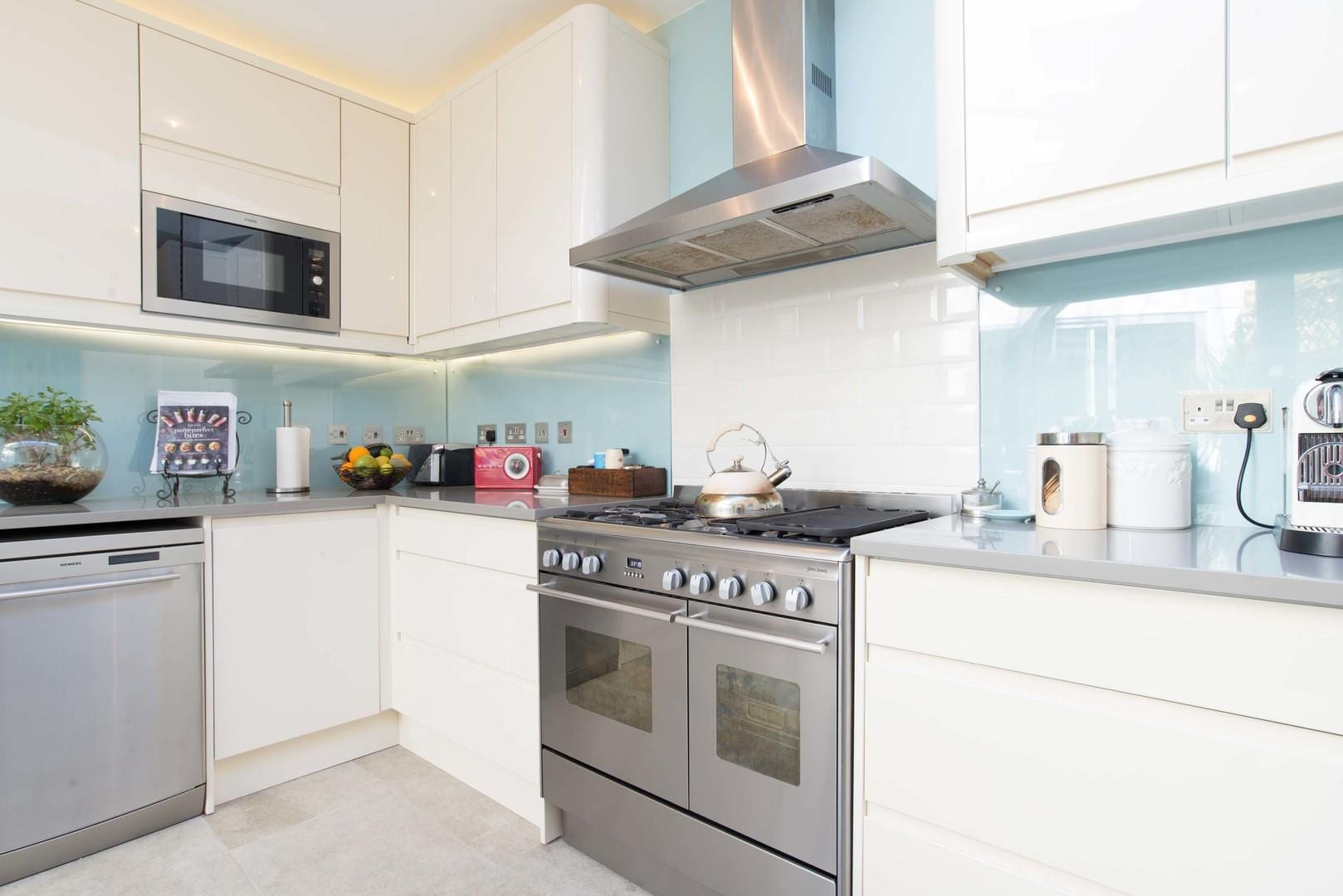 Property Image 2 - Inviting Fulham Home with Outdoor Terrace Near Tube