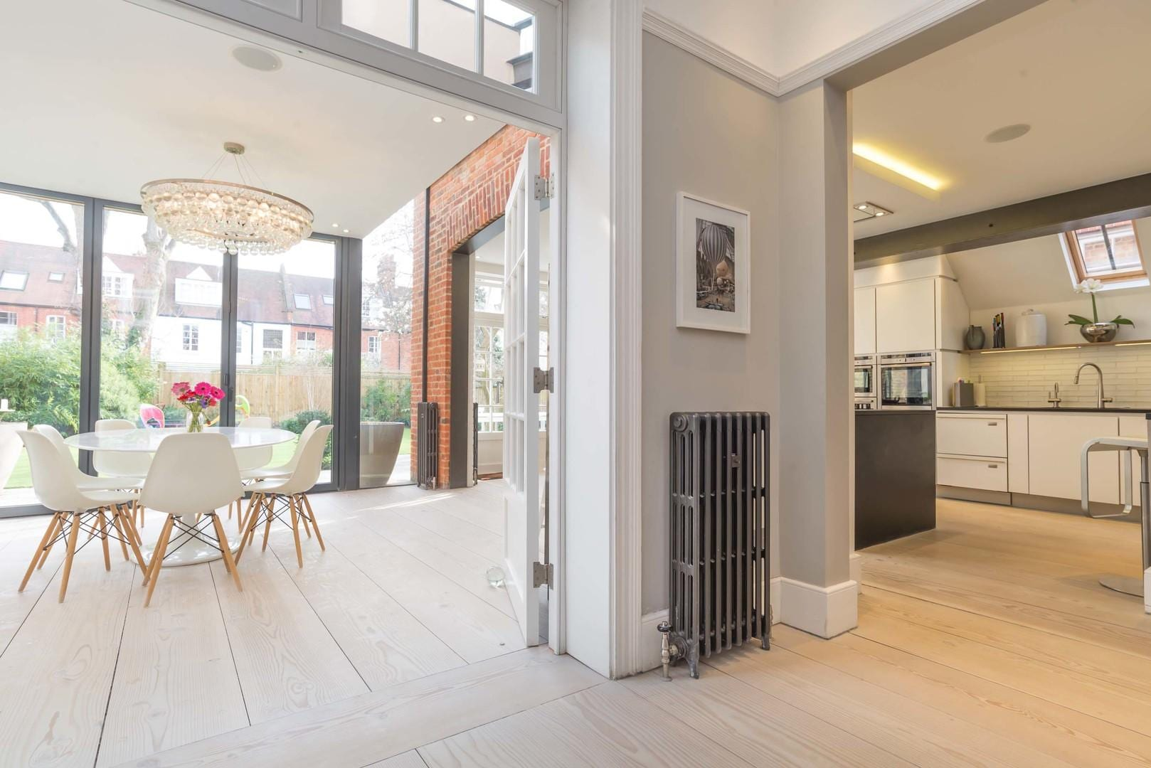 Property Image 2 - Light Spacious Chiswick House with Large Garden